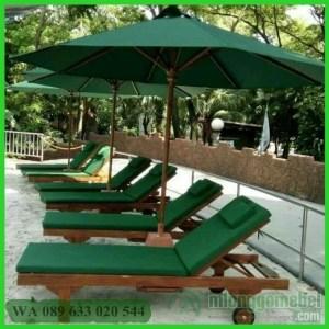 Kursi Kolam Renang Dengan Payung