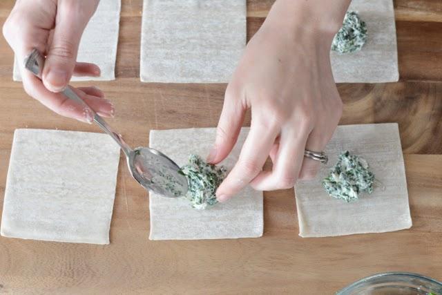 making ravioli with wonton wrappers