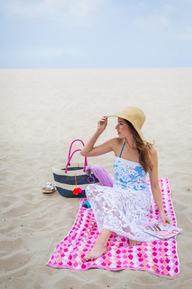 M Loves M beach day and beach bag packing list @marmar