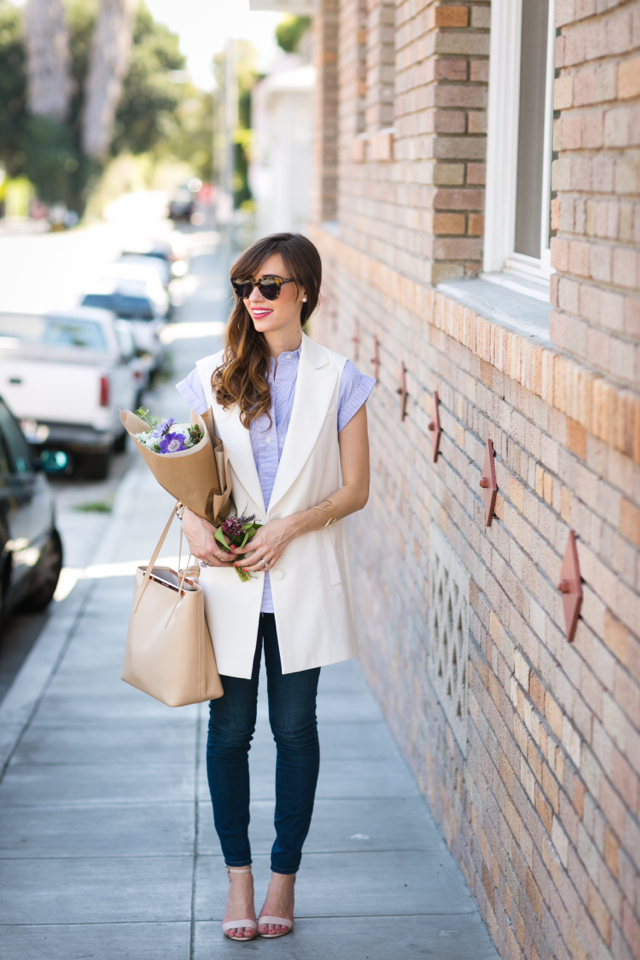 chic casual outfit with white sleeveless blazer vest, jeans and popover top M Loves M @marmar