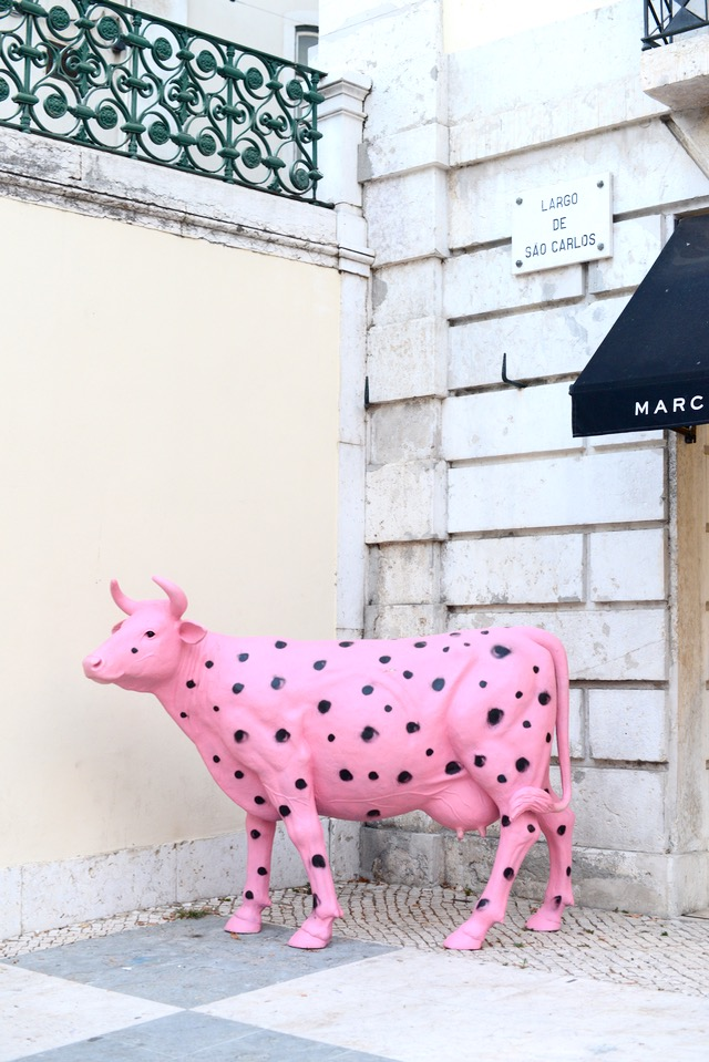 pink cow parade in Lisbon Portugal M Loves M @marmar