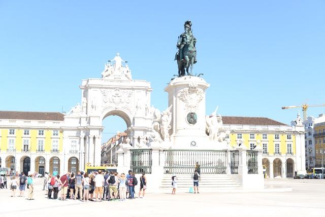 M Loves M travel guide to Lisbon, Portugal @marmar