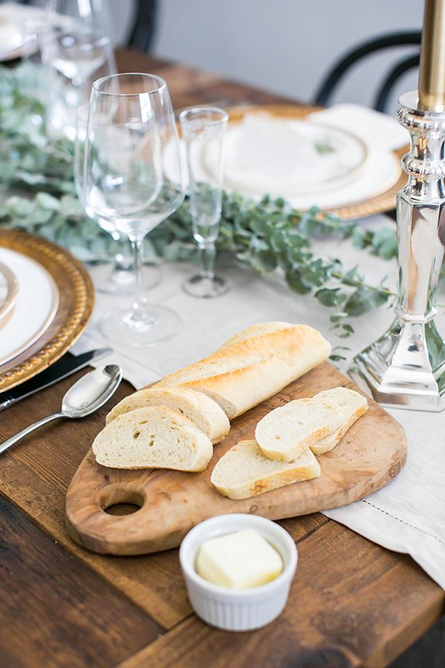 fresh bread for dinner party M Loves M