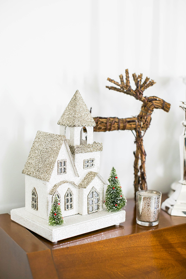 ideas to decorate your piano for the holidays M Loves M