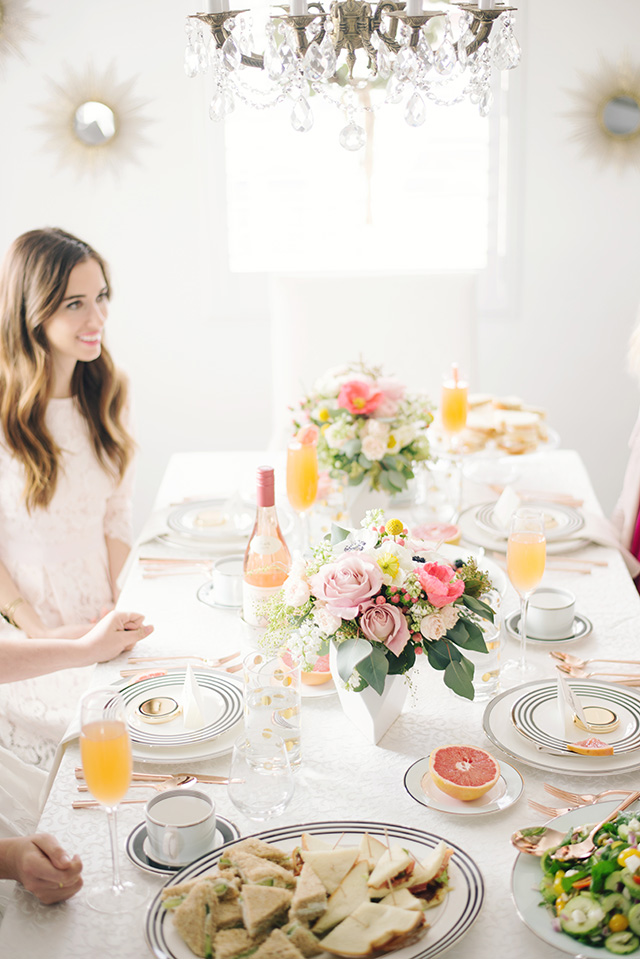 throwing a bridal shower for your best friend - M Loves M