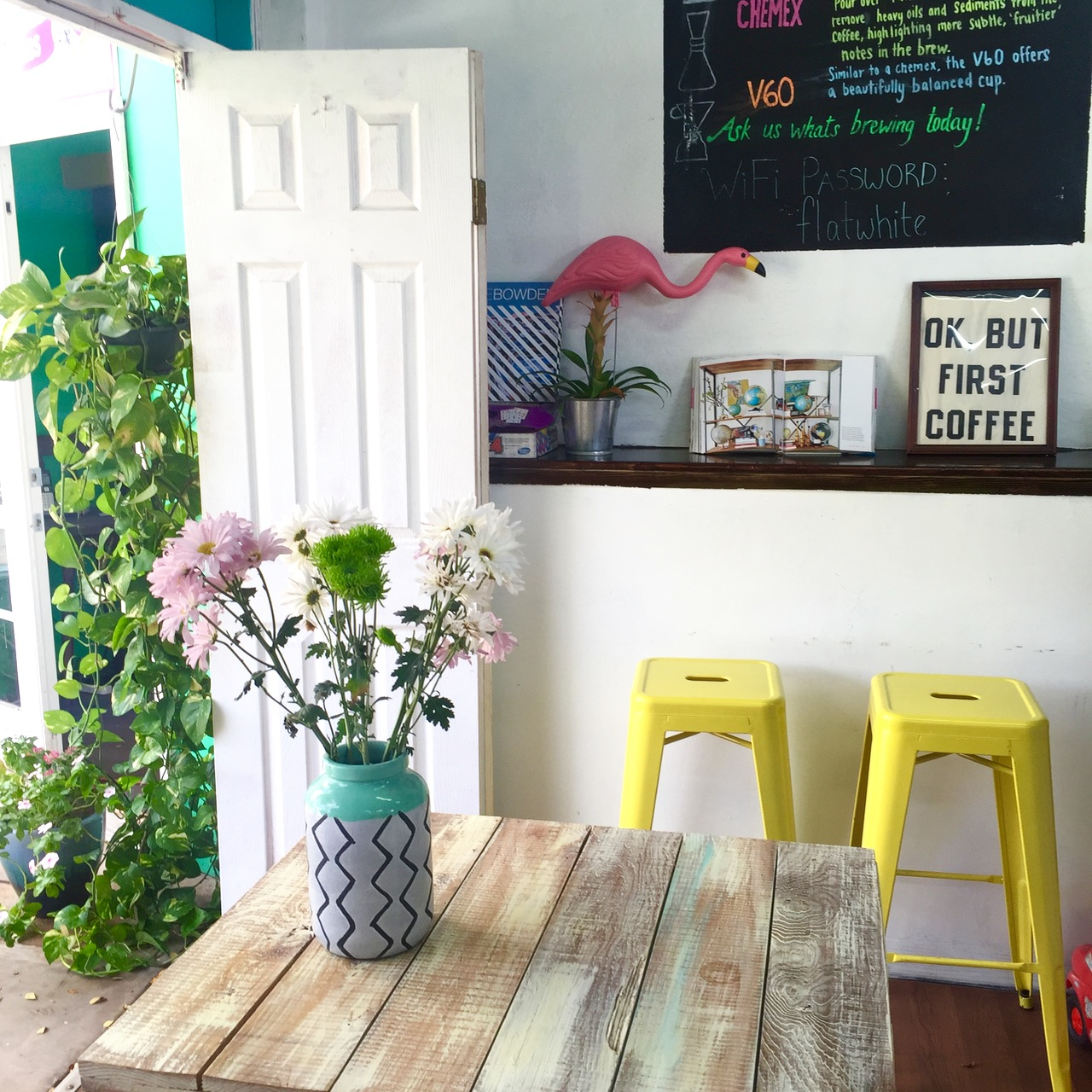 the cutest coffee shop in Maui is Belle Surf Cafe in Kihei