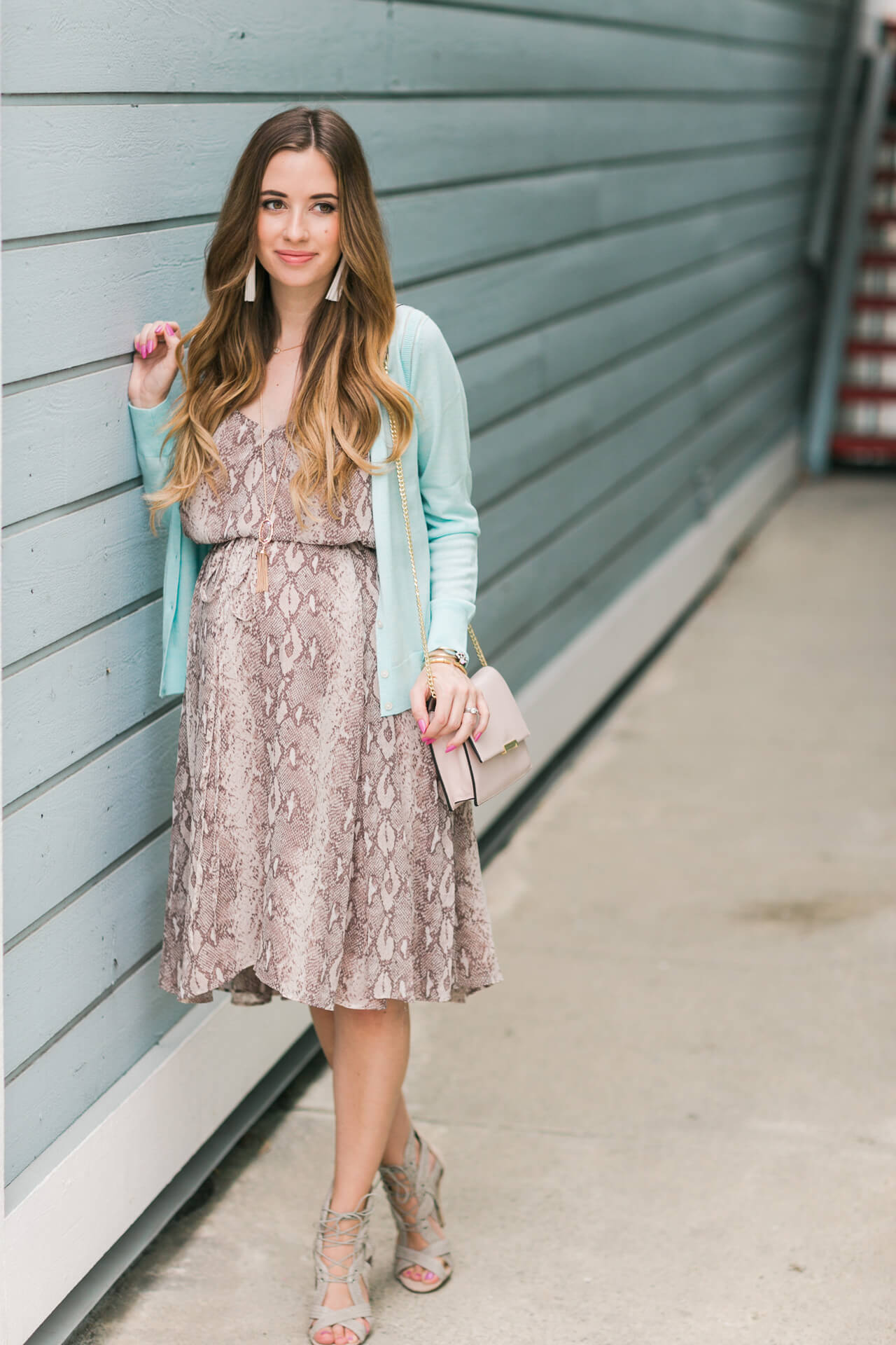 a feminine spring and summer outfit