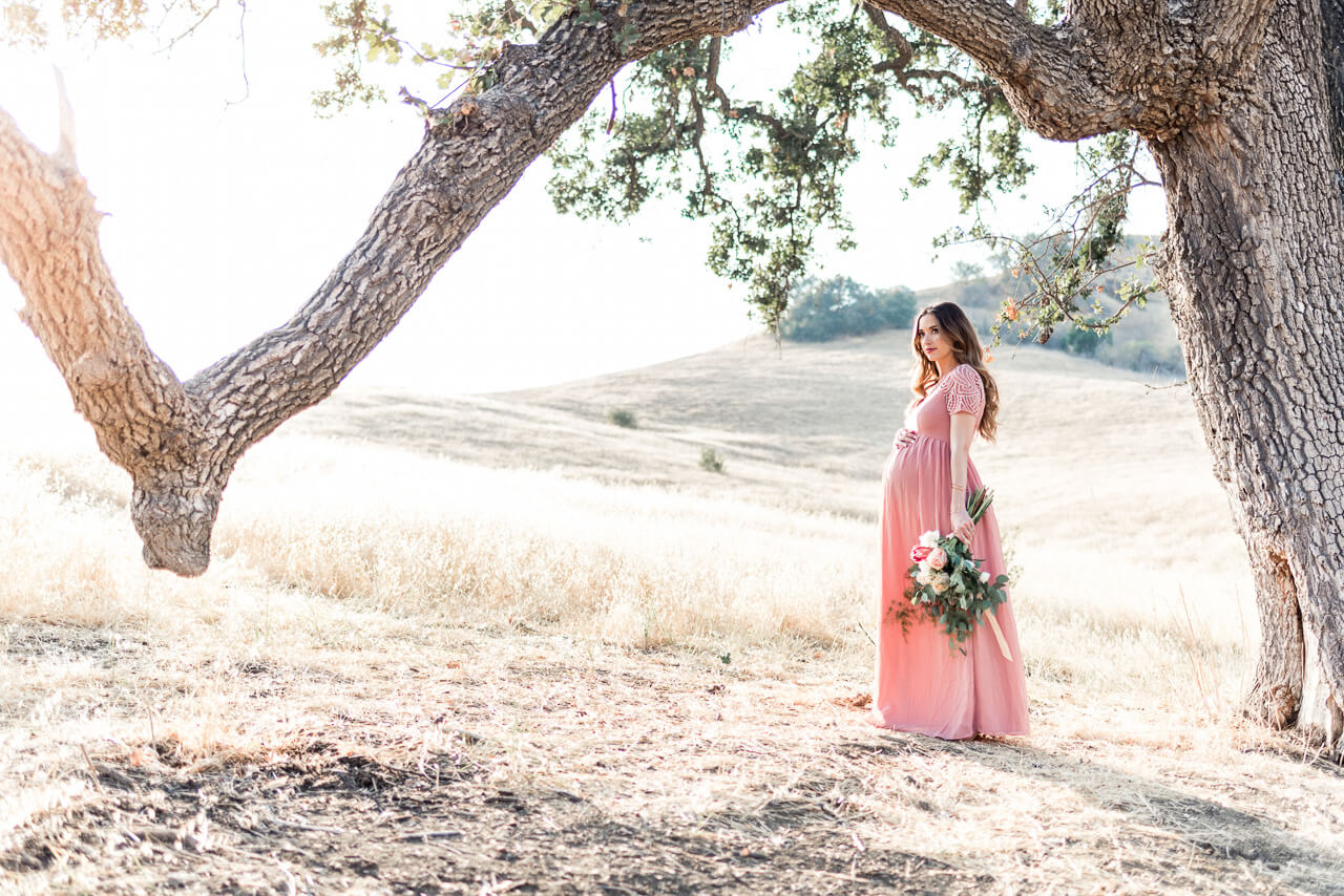 outdoor maternity shoot inspiration