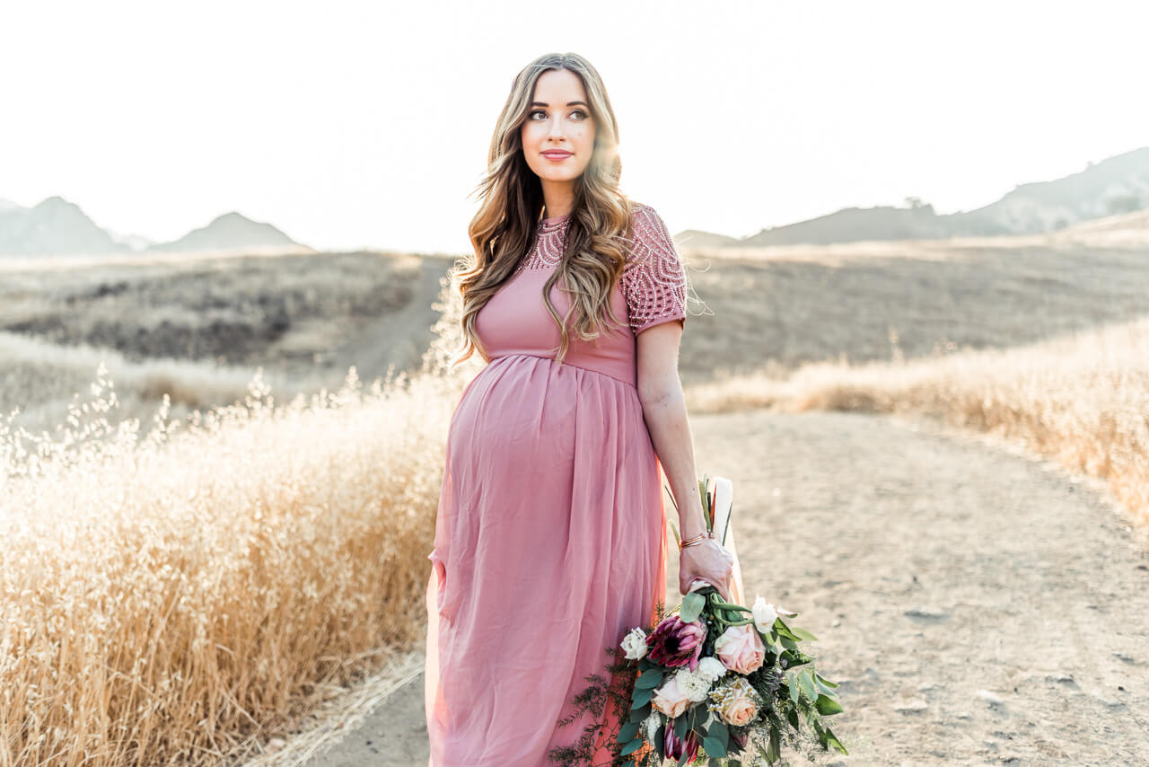 what to wear to a maternity shoot
