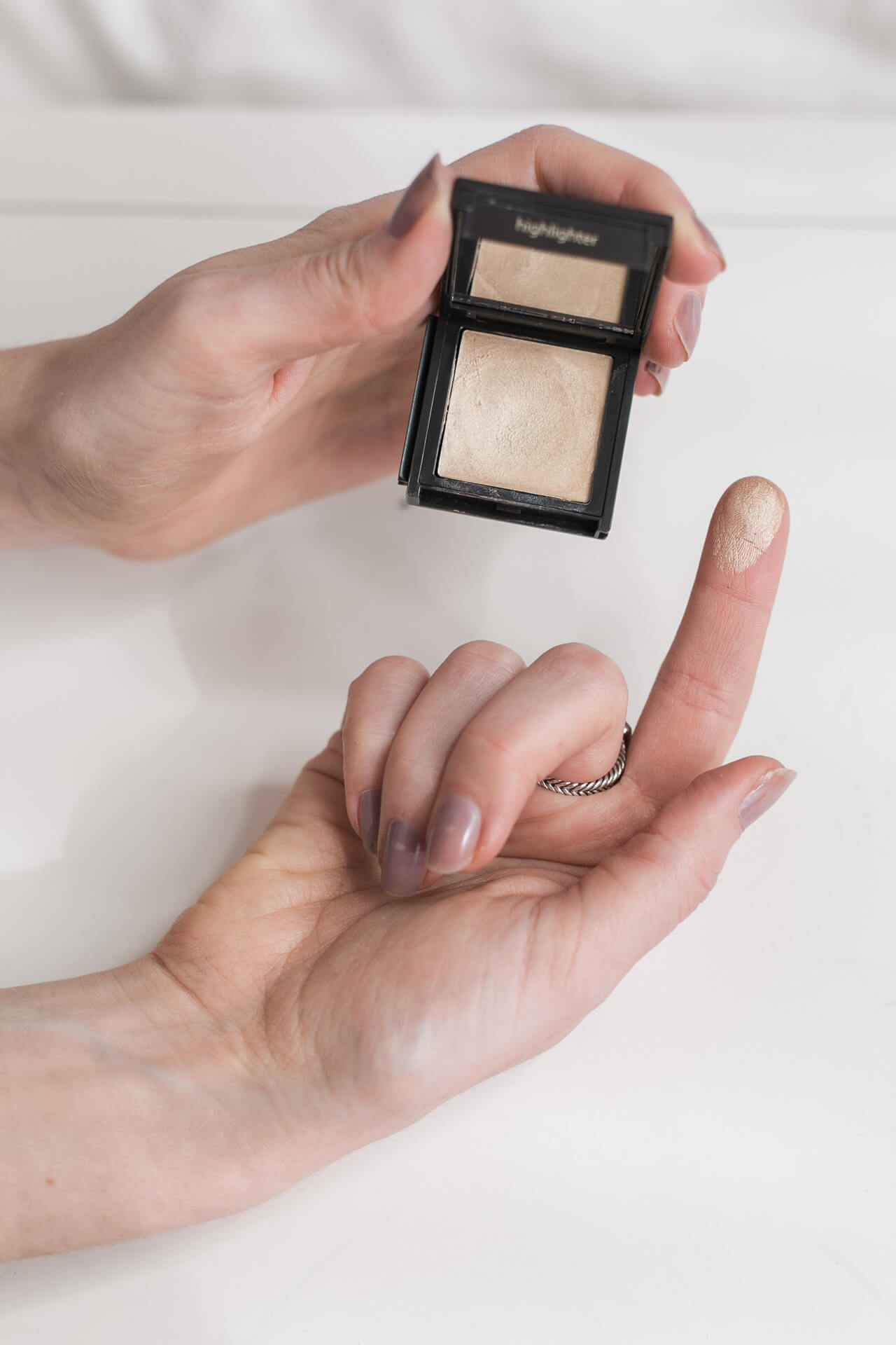 jouer highlighter in tiare review
