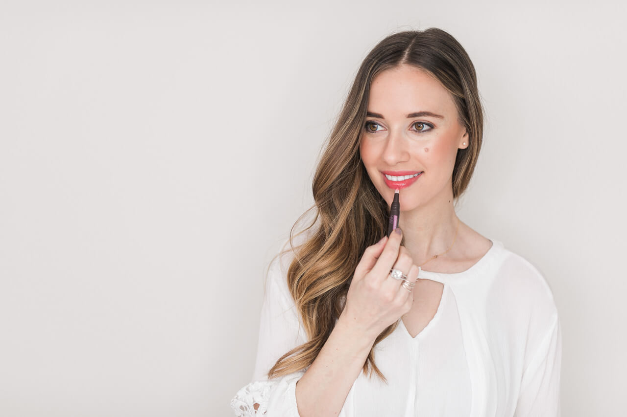 soft and natural lip color with the burt's bees lip oils- these things are amazing!