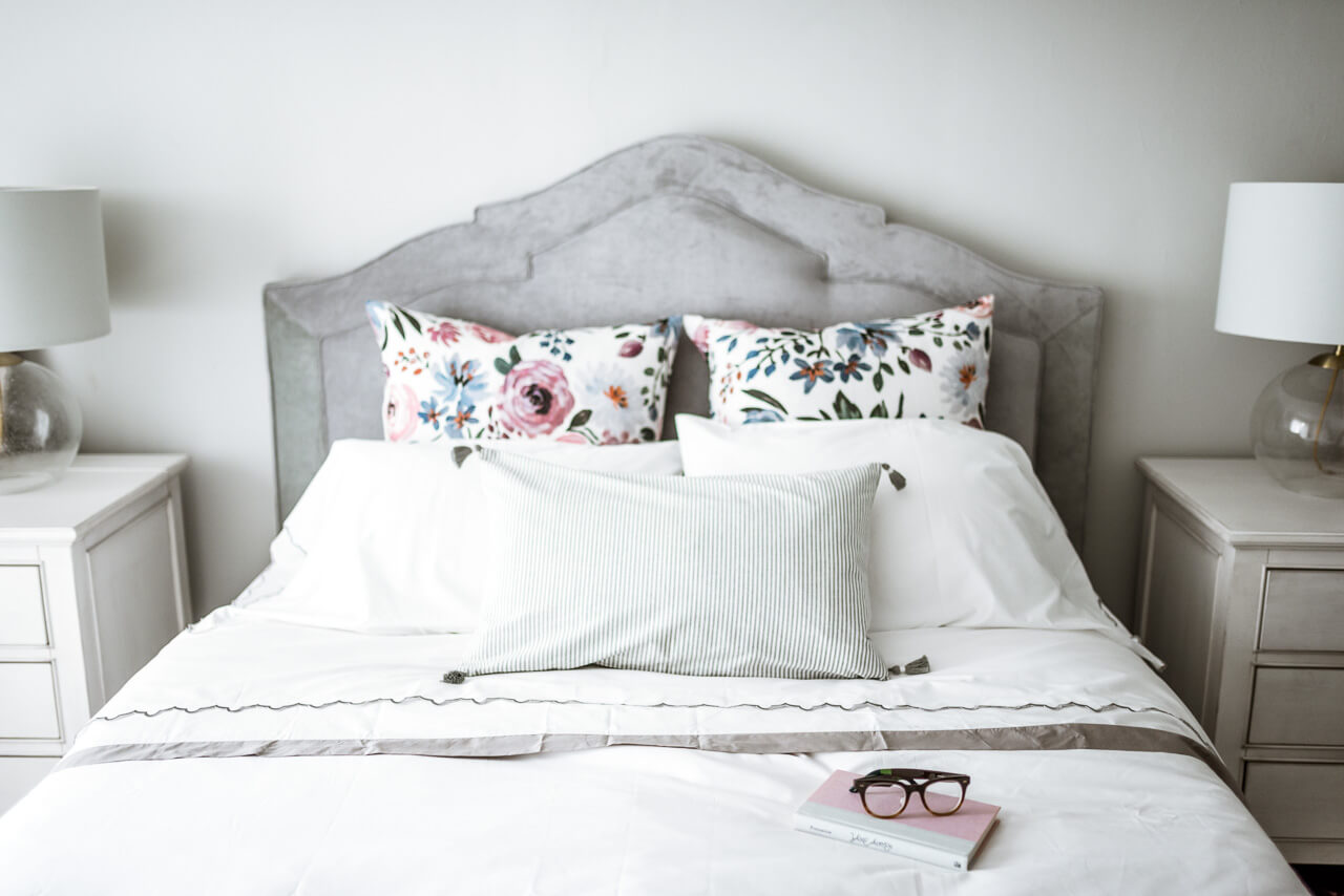 print mixing with pillows on bed