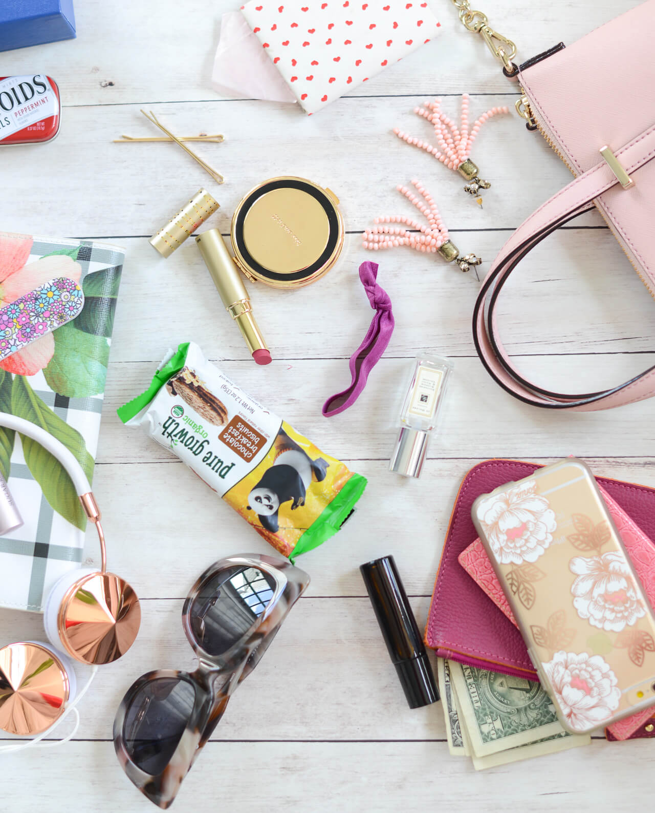 what to always have in your purse
