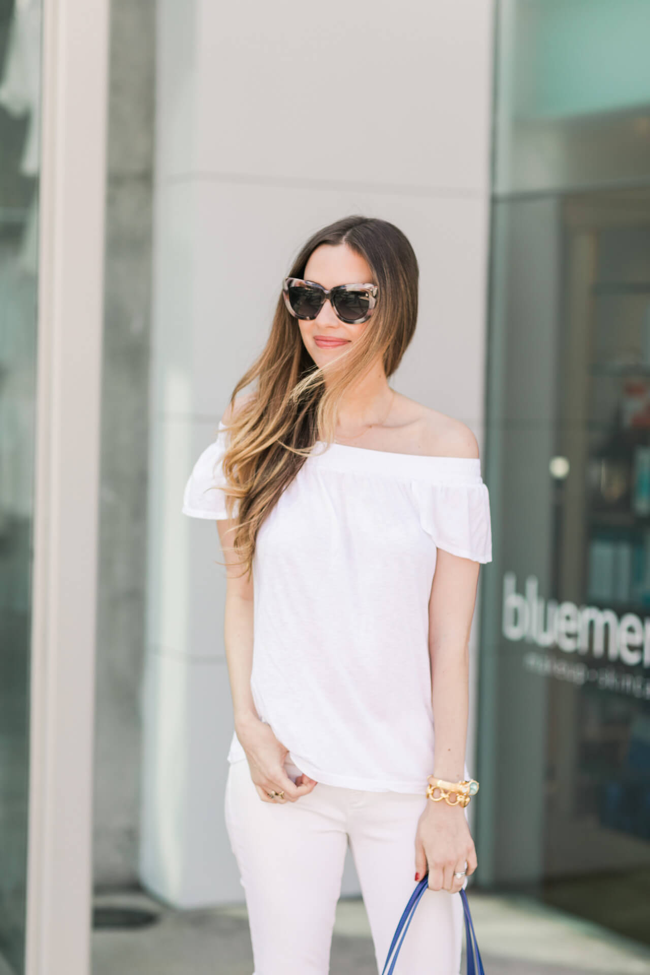 white outfit for spring 2017