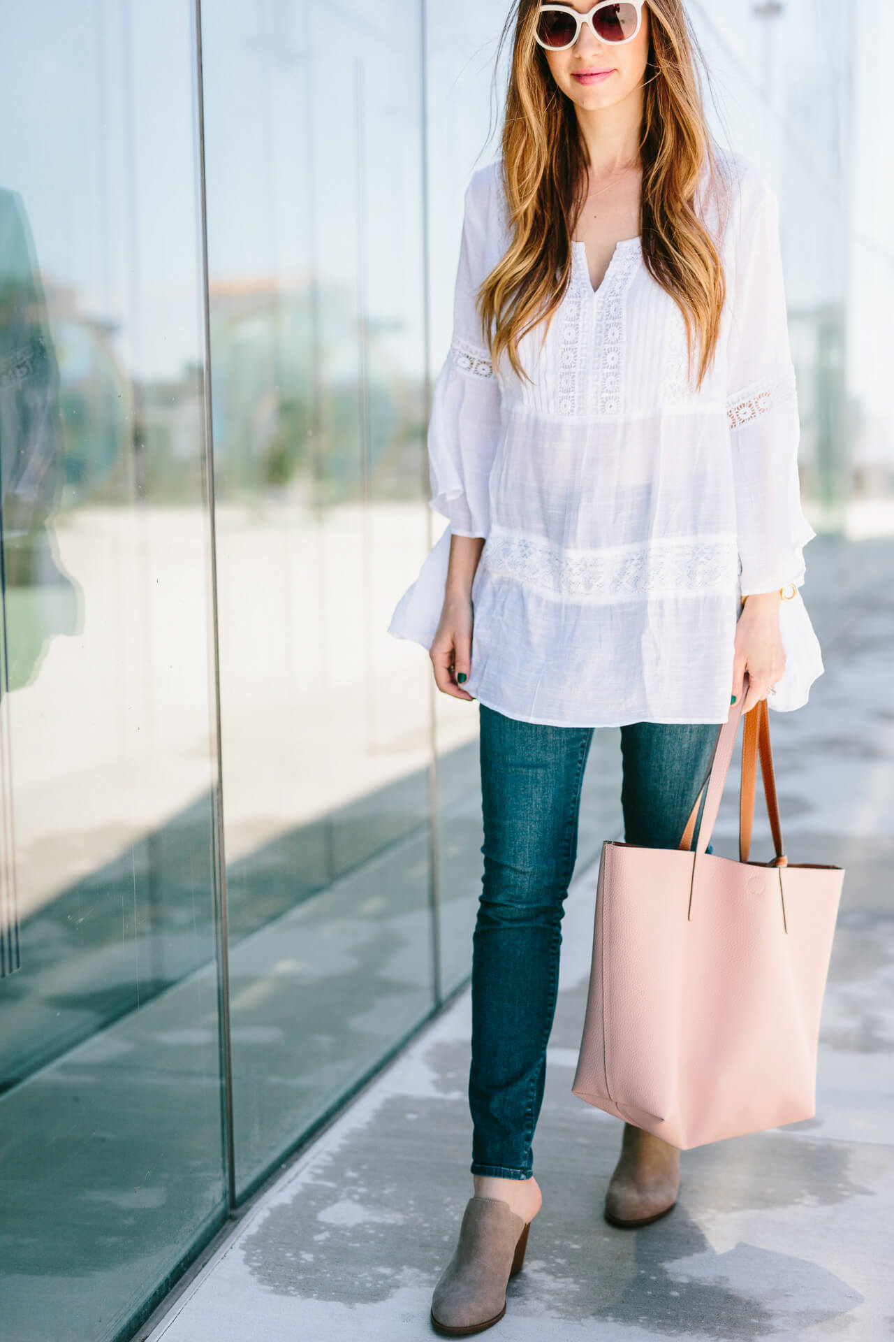 white bohemian casual outfit inspiration for spring