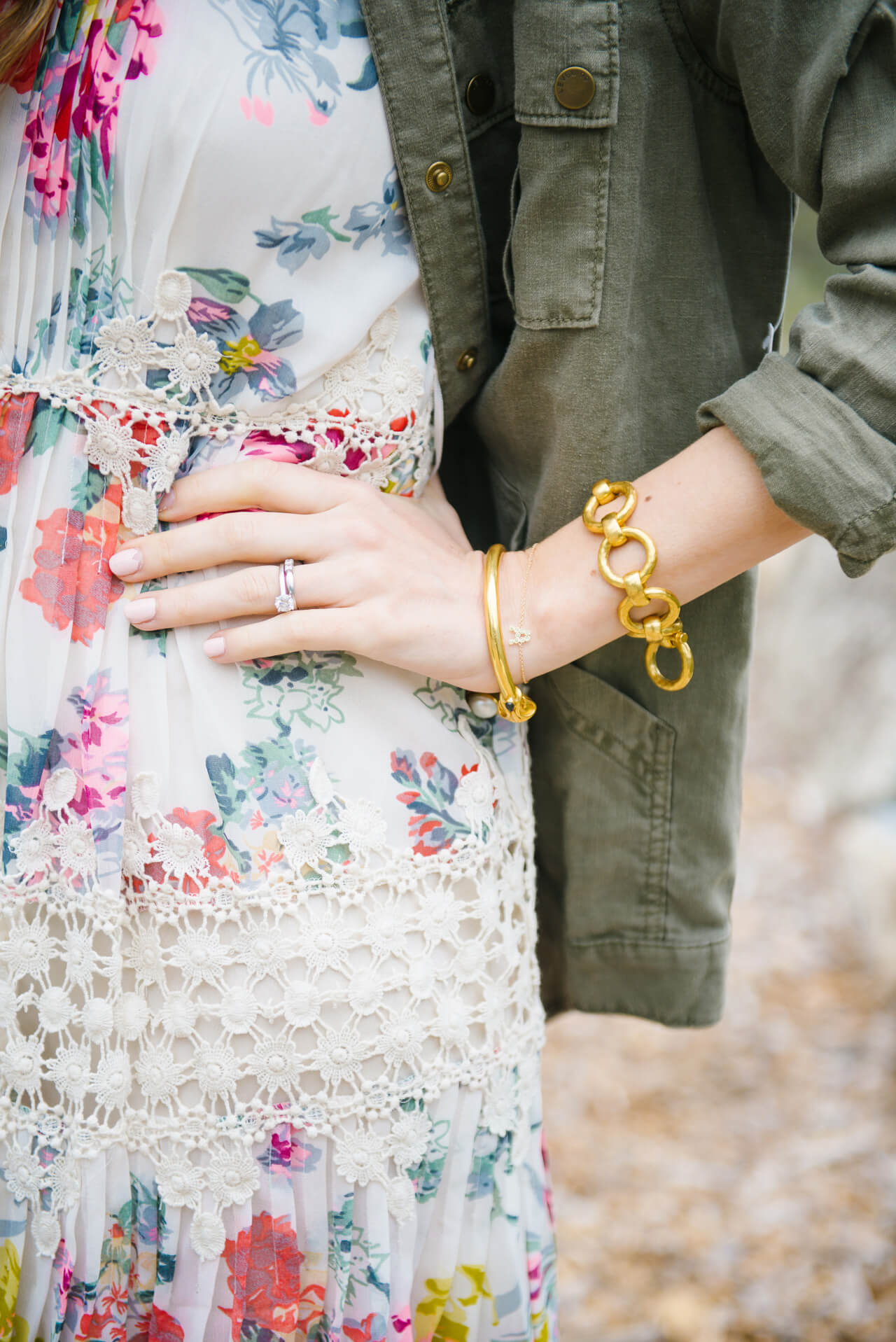 accessories to wear with floral dress for Spring