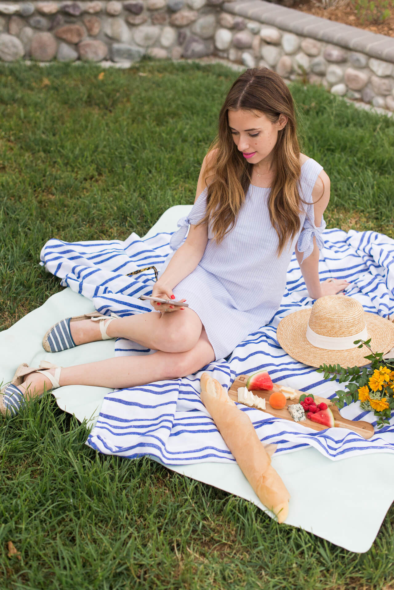 love this dress and shoes for a picnic - M Loves M @marmar