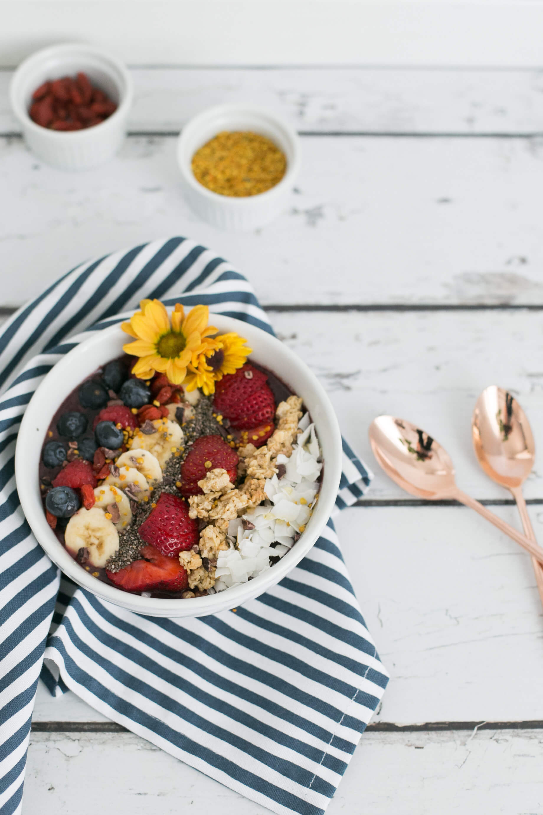 make your own acai bowl recipe post - M Loves M @marmar