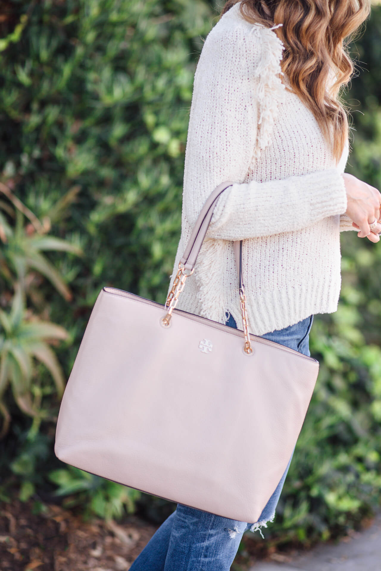 love this tory burch blush pink bag! It holds so much! @marmar