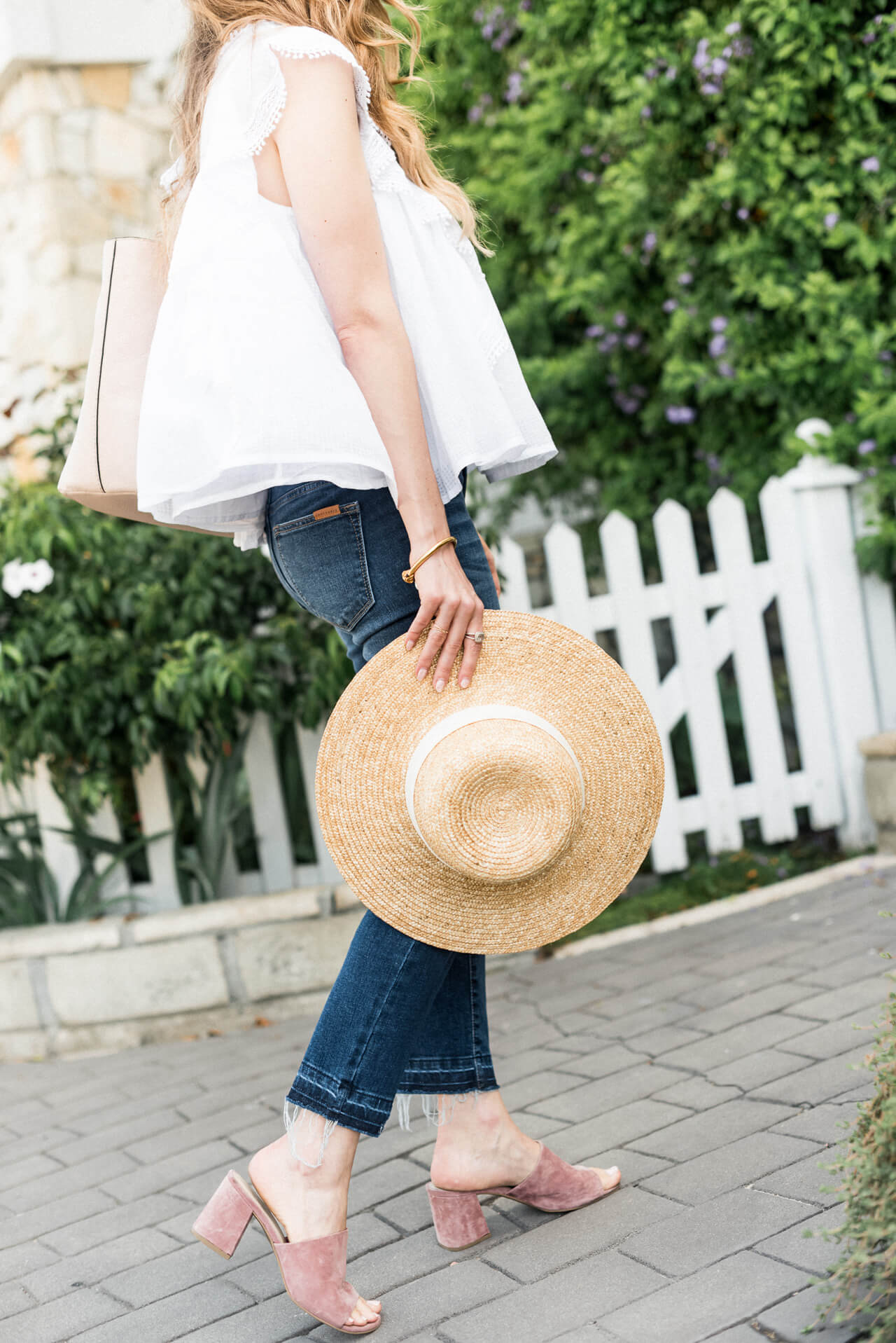loving this boat hat with any outfit this summer - M Loves M @marmar