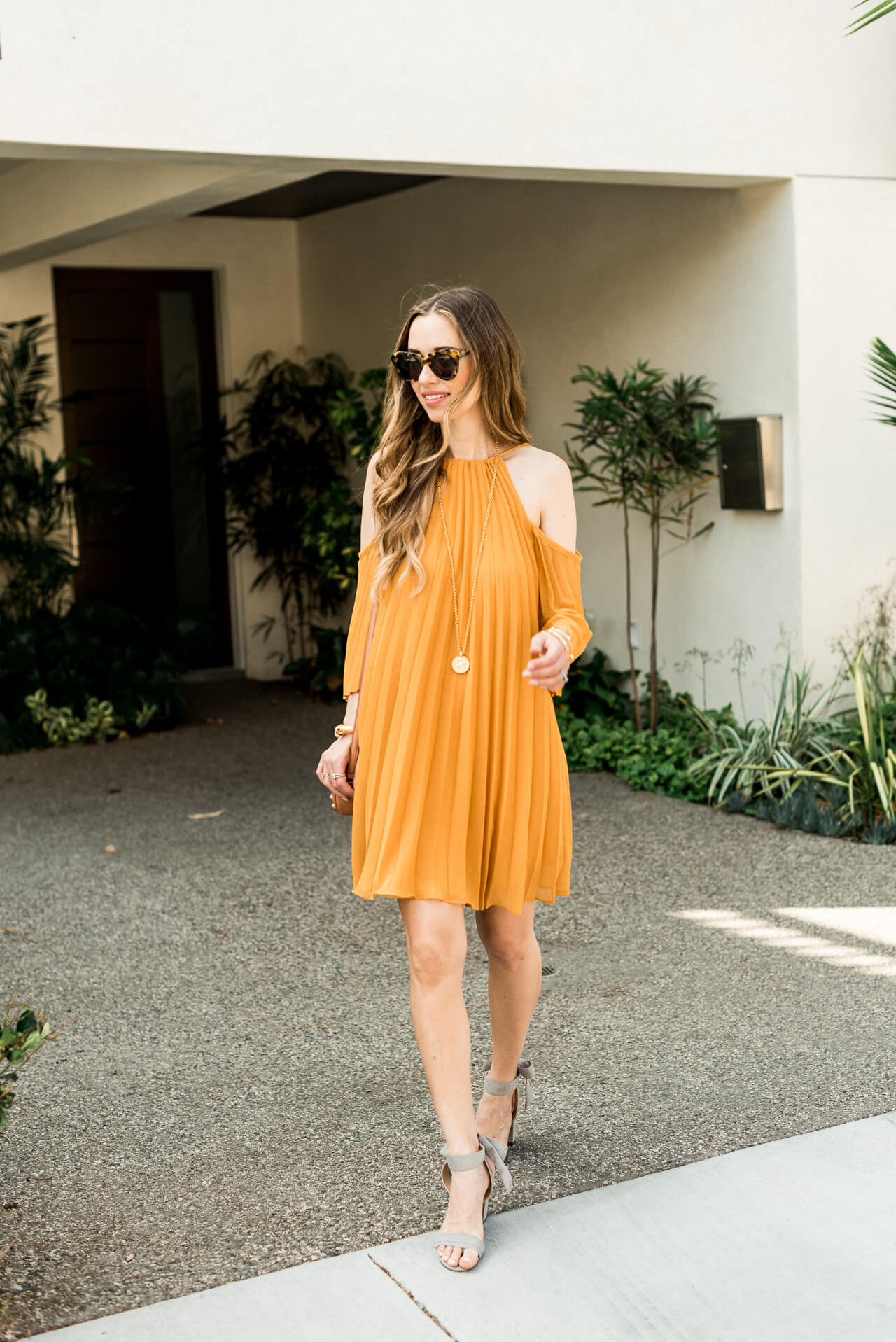 enjoying this sunshine in this pleated dress - M Loves M @marmar