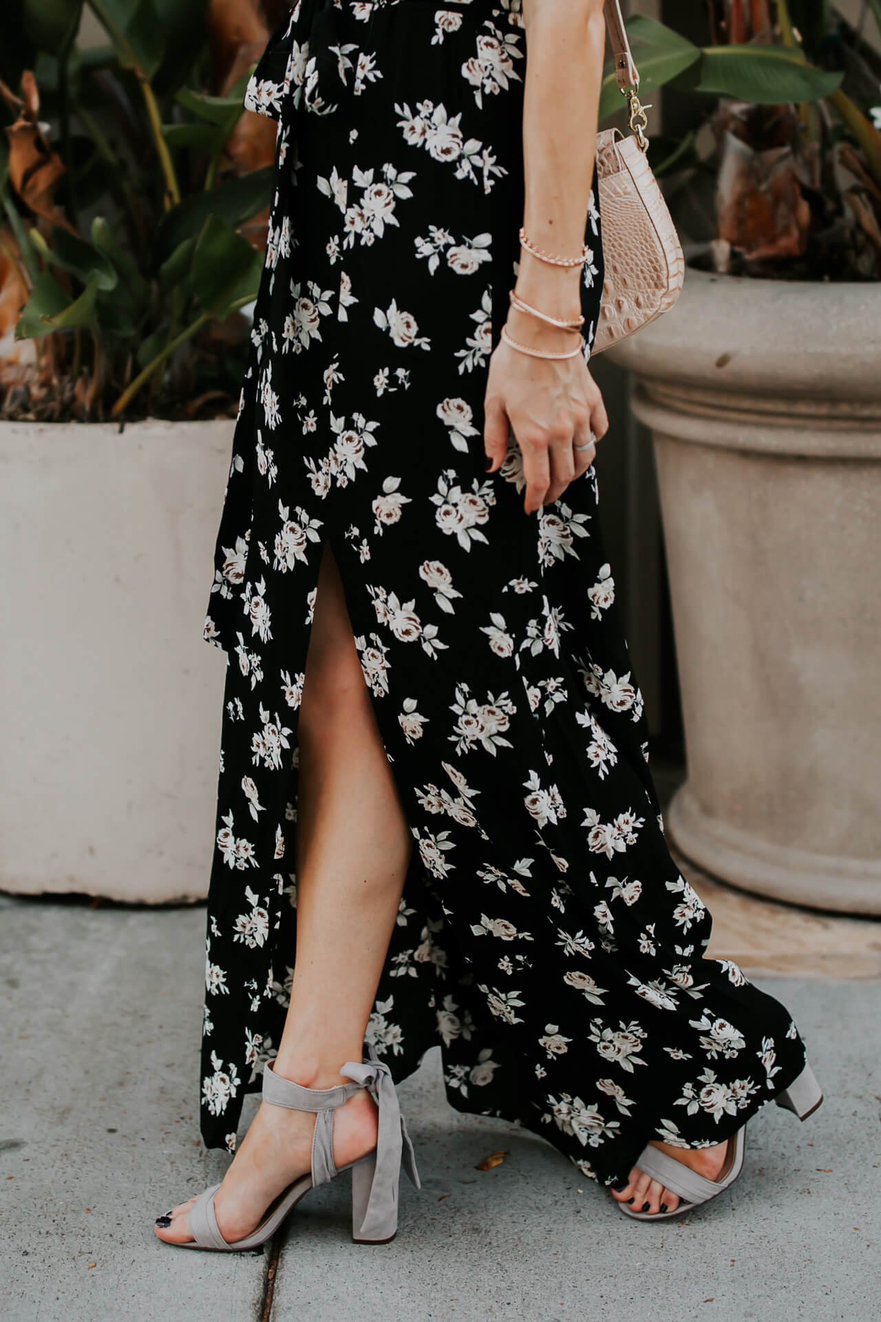 I love the slit in this dress, it's so chic - M Loves M @marmar