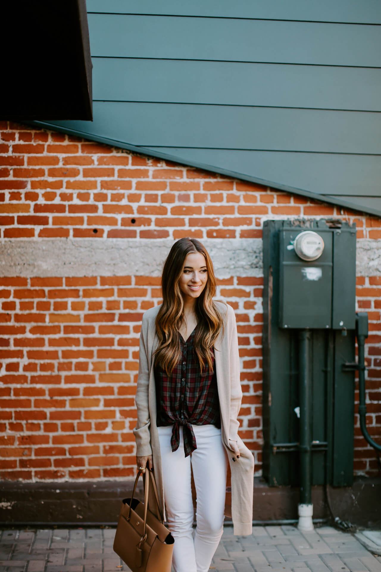 styling white denim for fall