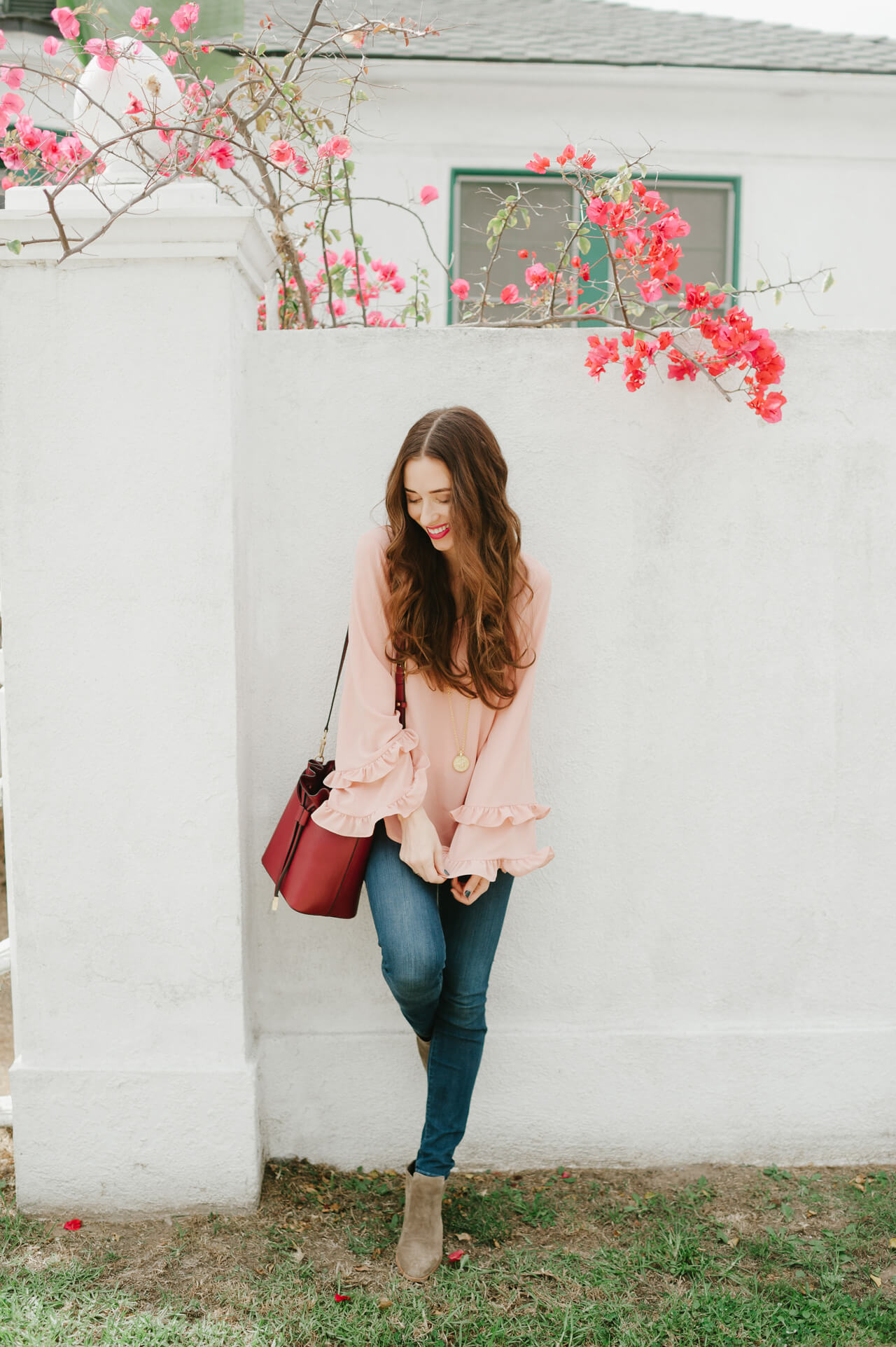 feminine outfit inspiration for fall - a go-to fall outfit combination