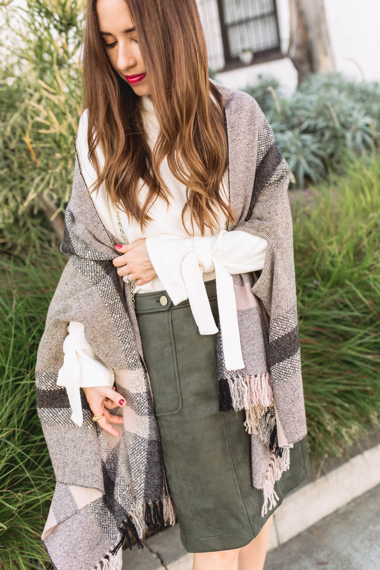 the ties on this sweater really add a gorgeous detail to the outfit - M Loves M @marmar