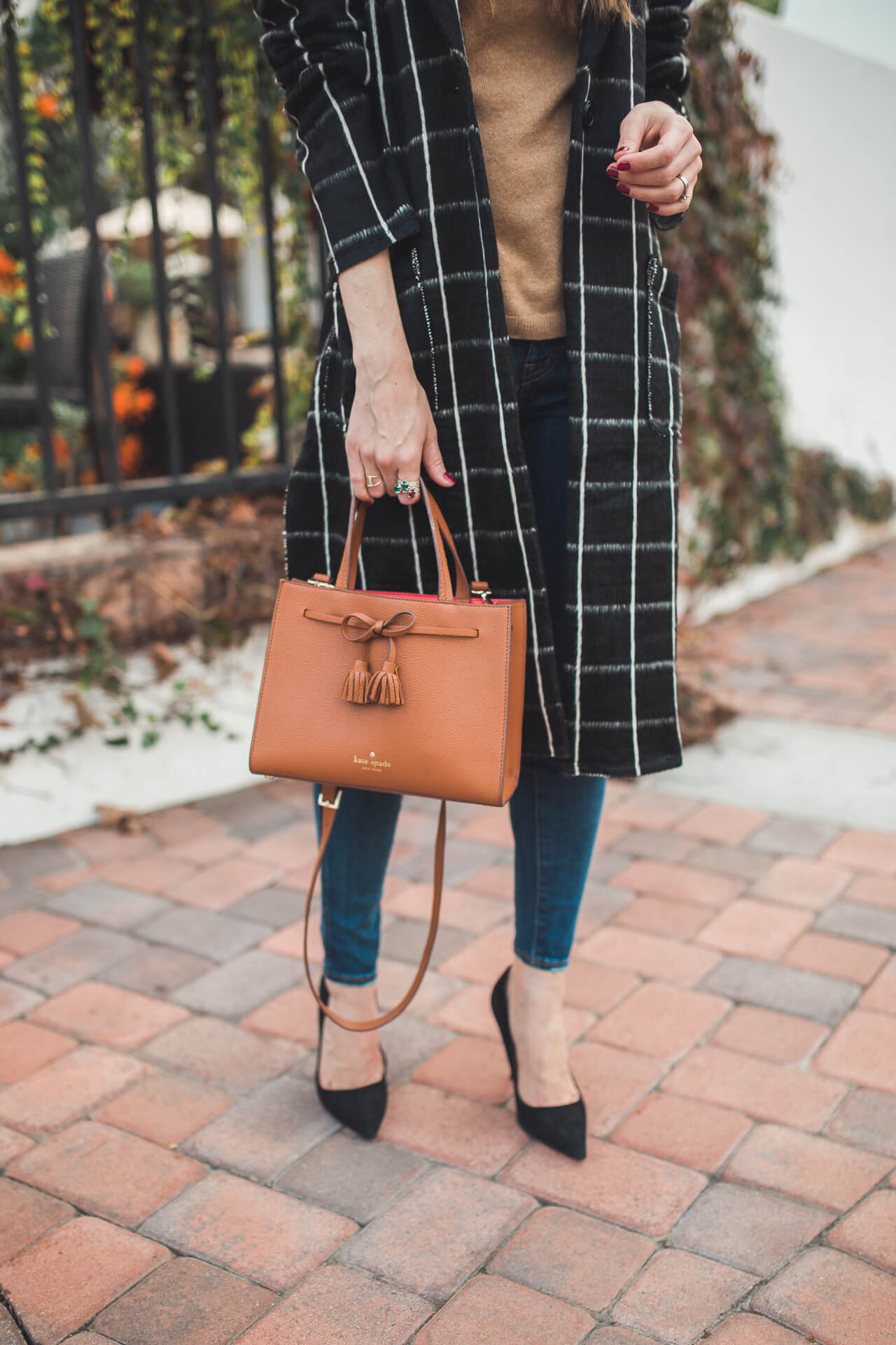 styling jeans and heels for fall