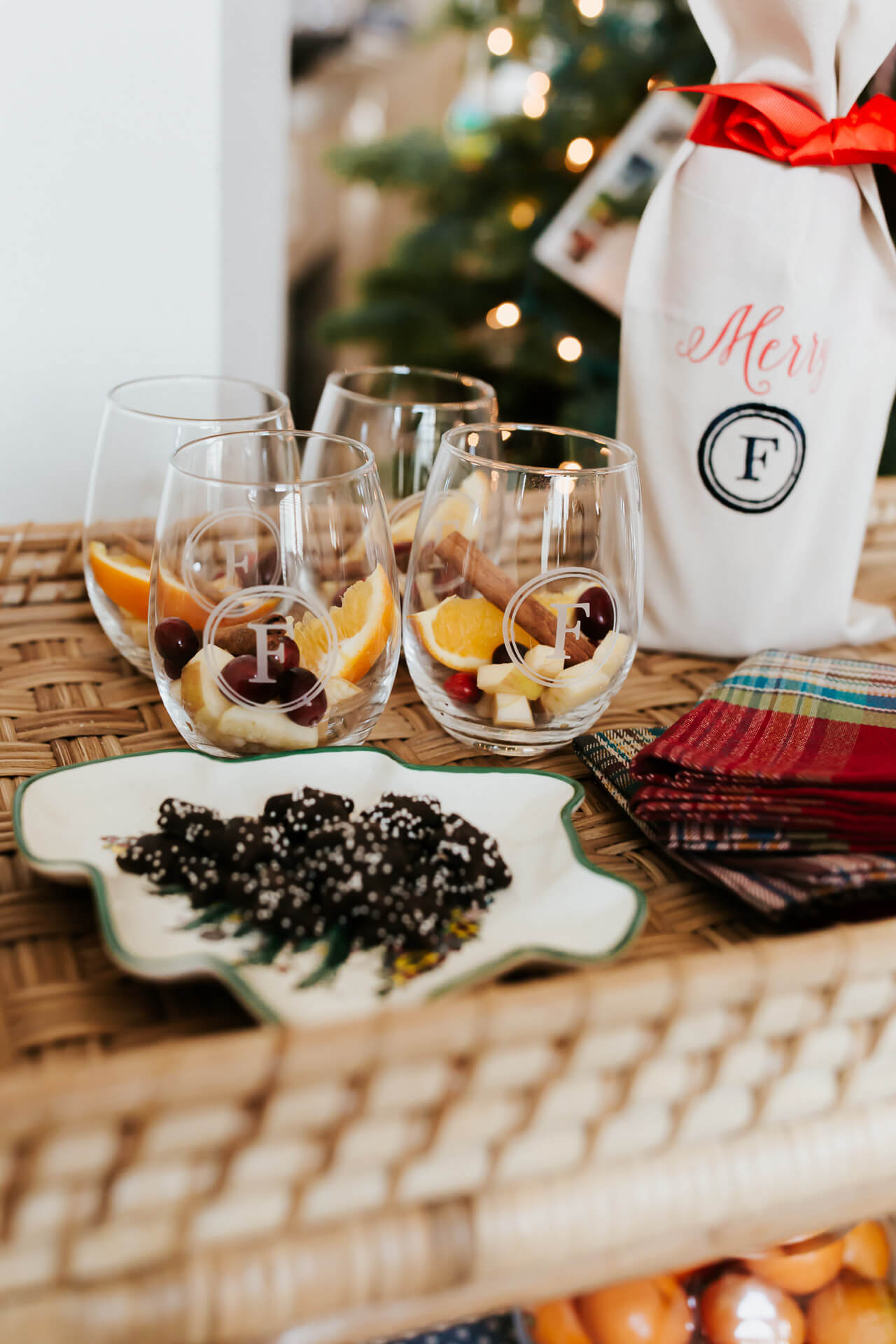 a personalized stemless wine glasses perfect for a gift or party - M Loves M @marmar