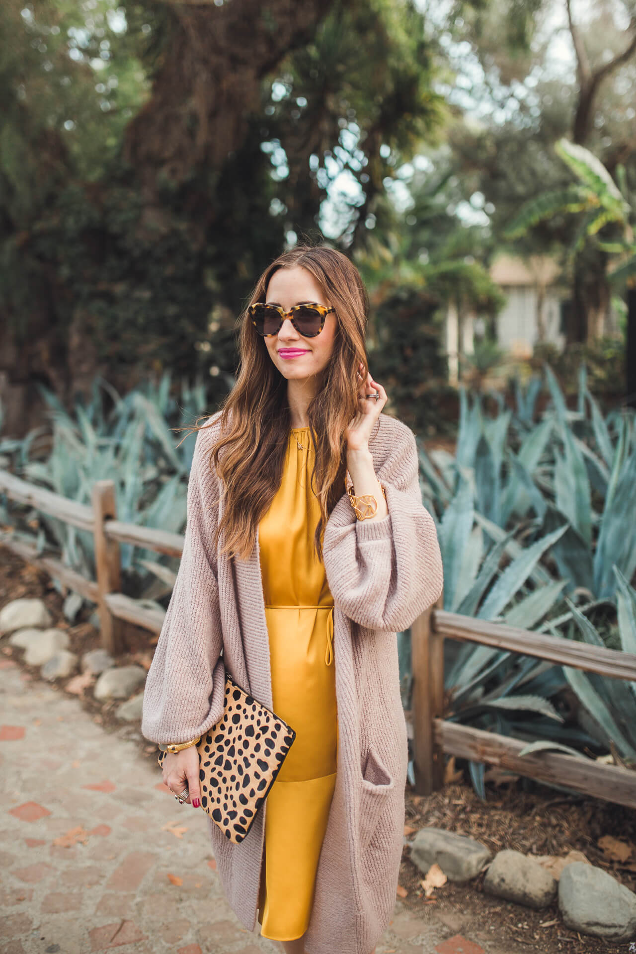 cute and unexpected outfit inspiration for the holidays - M Loves M @marmar
