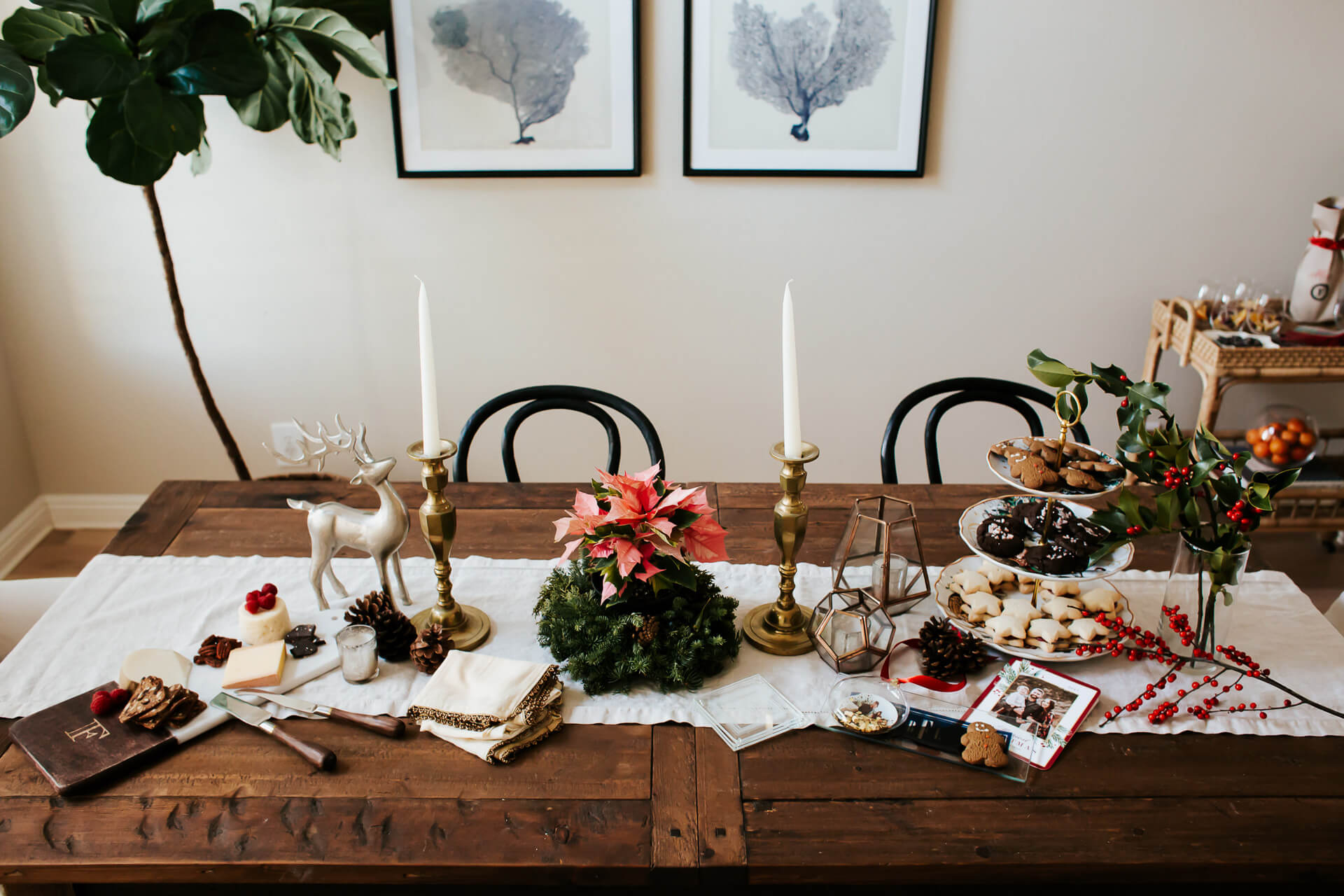 holiday tablescape decor with Christmas cookies and Sangria - M Loves M @marmar