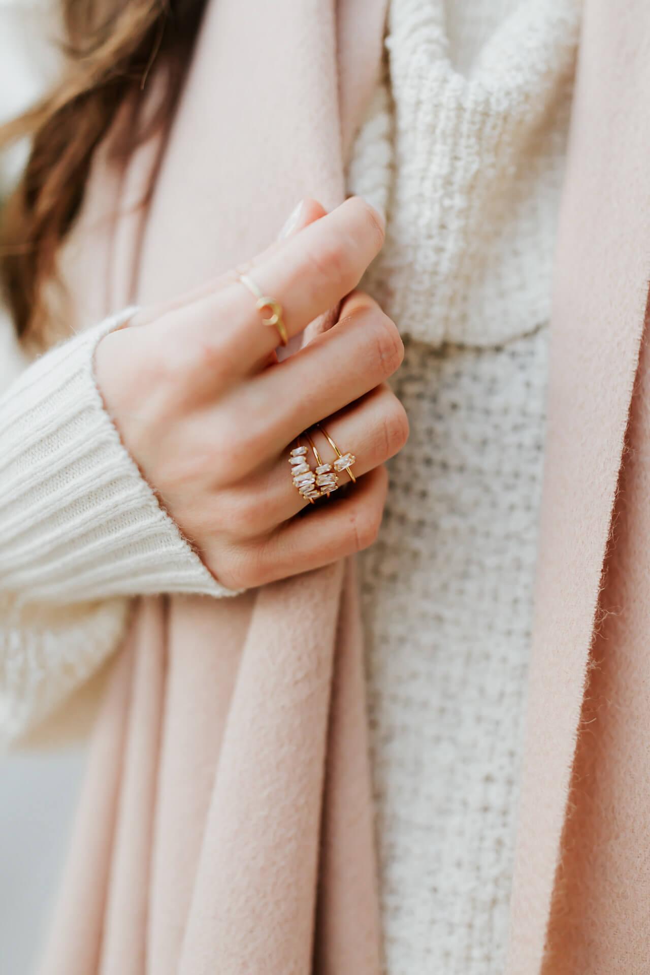 the prettiest dainty jewelry from gorjana that won't break the bank - M Loves M @marmar