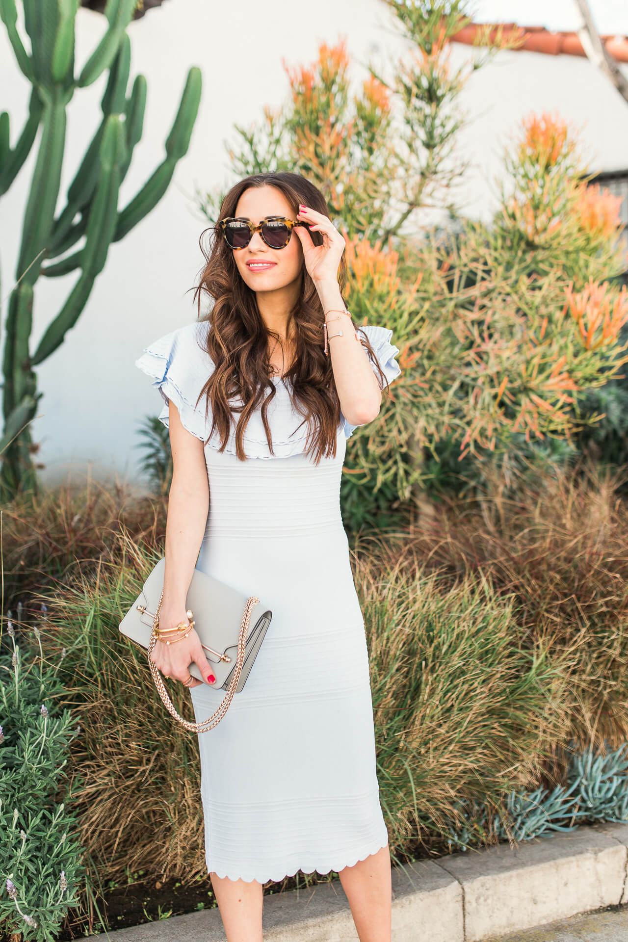 feminne and classic style inspiration - styling idea for a sheath bodycon dress