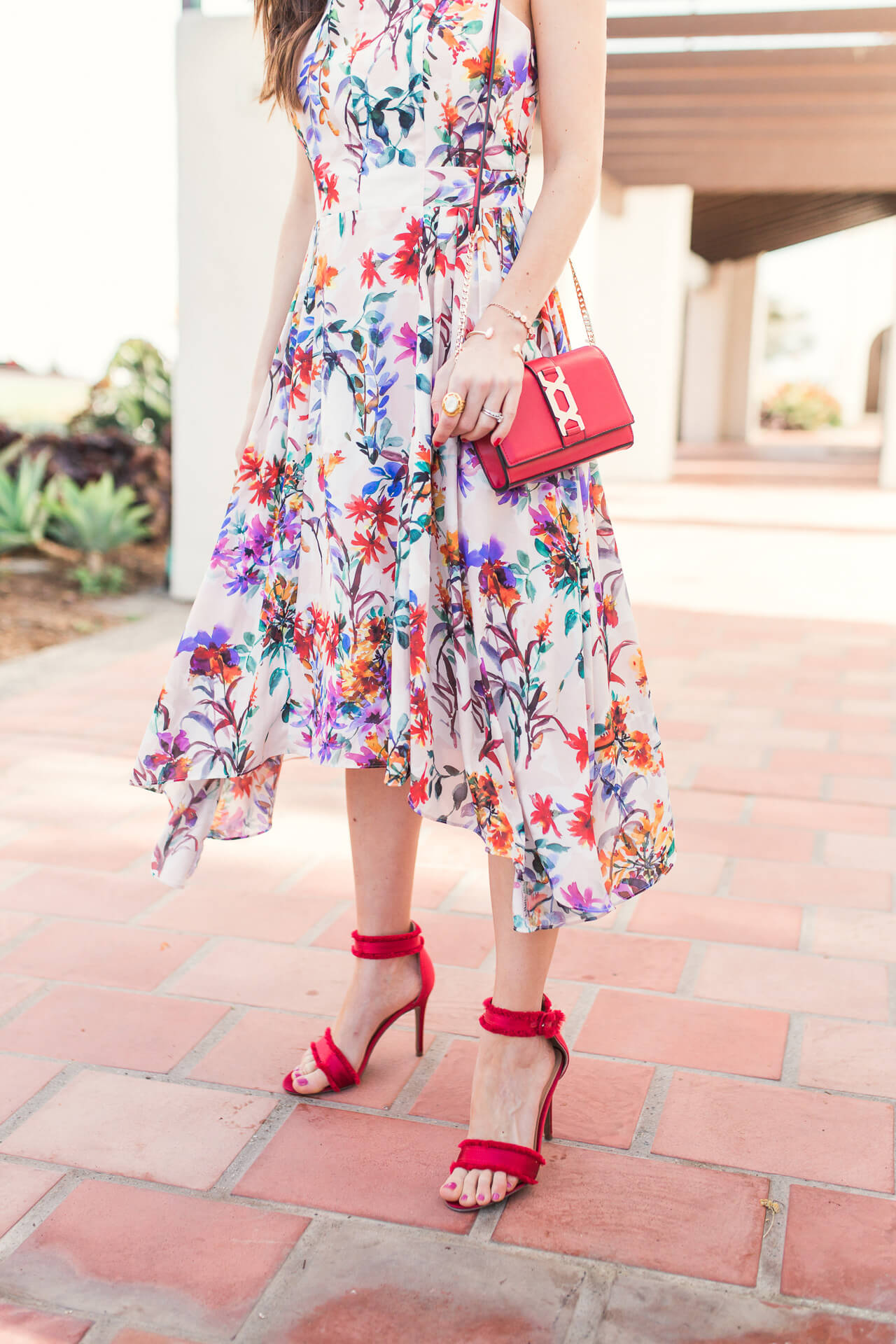 spring outfit inspiration for 2018 with pops of red