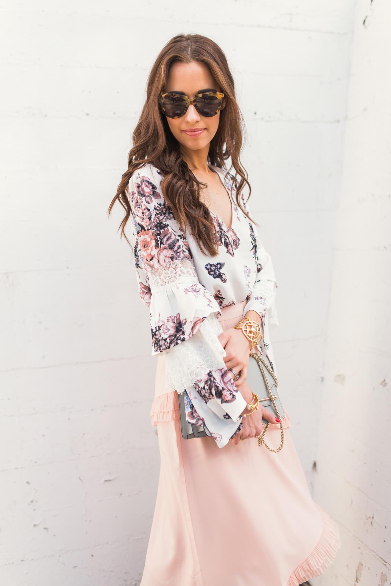 feminine fashion blogger M Loves M