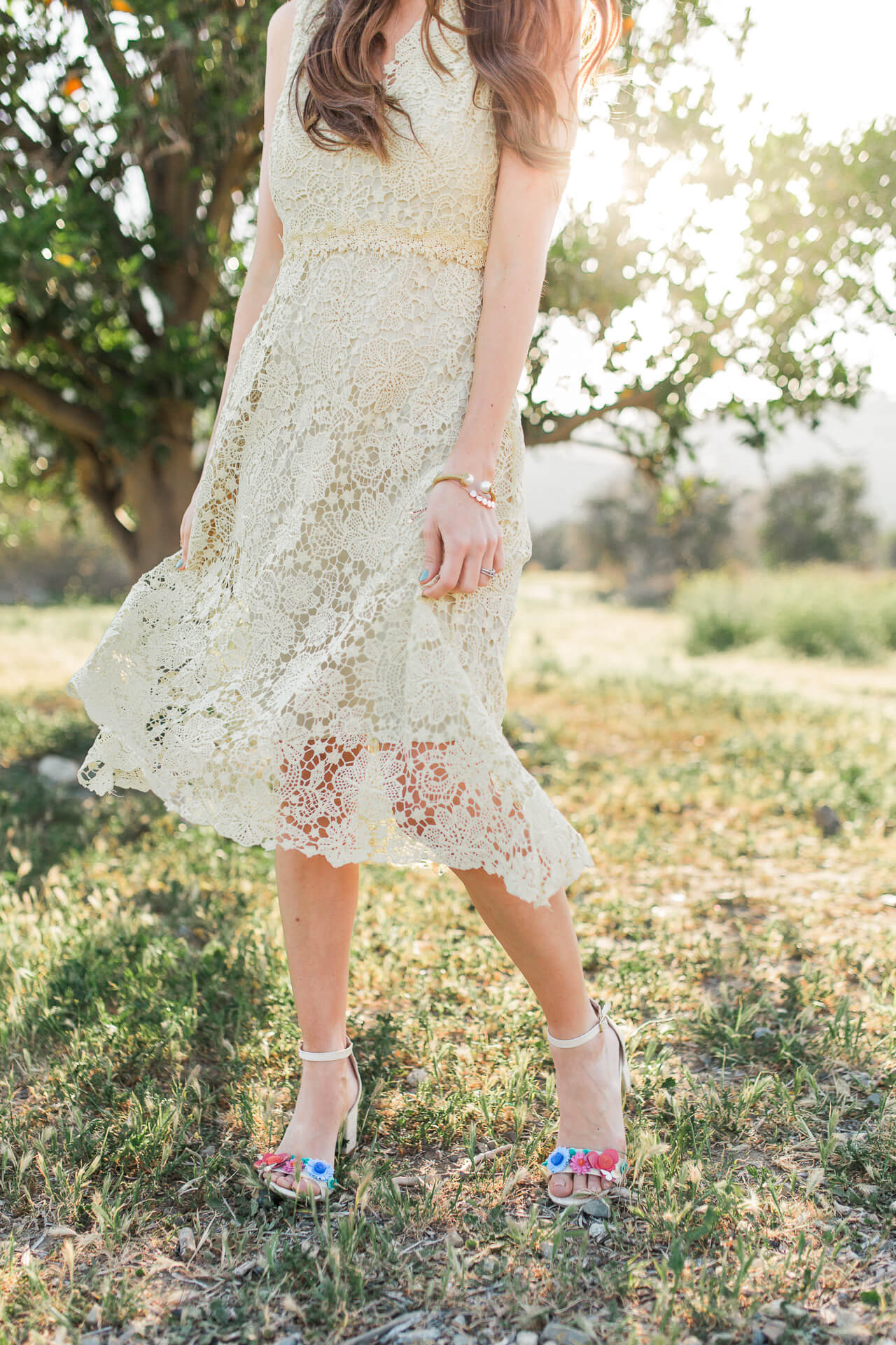 pretty details - floral kate spade sandal heels with donna morgan lace dress
