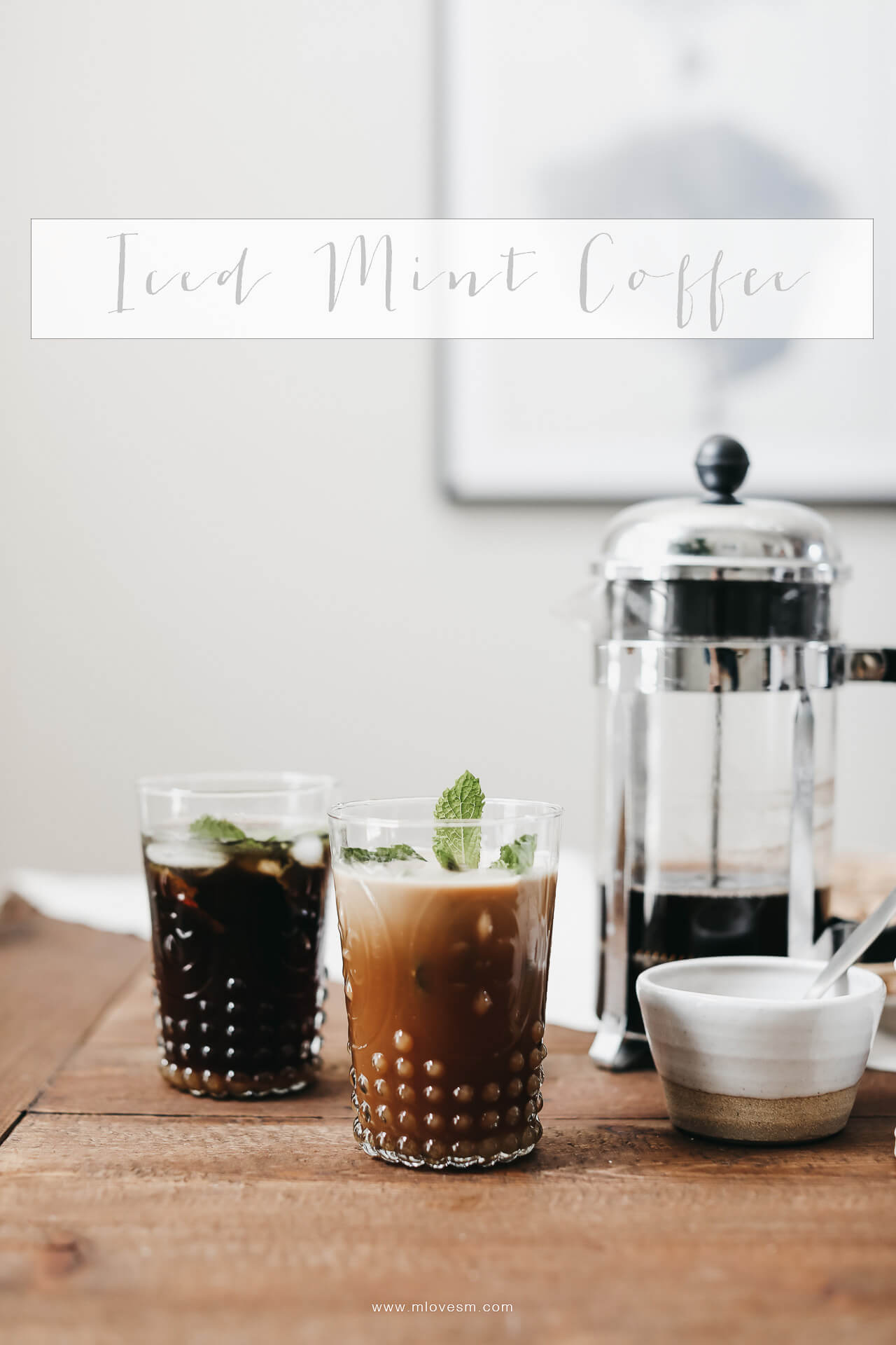 This recipe for mint iced coffee is almost too good to be true. It's such an easy recipe and so delicous for summer! | M Loves M @marmar