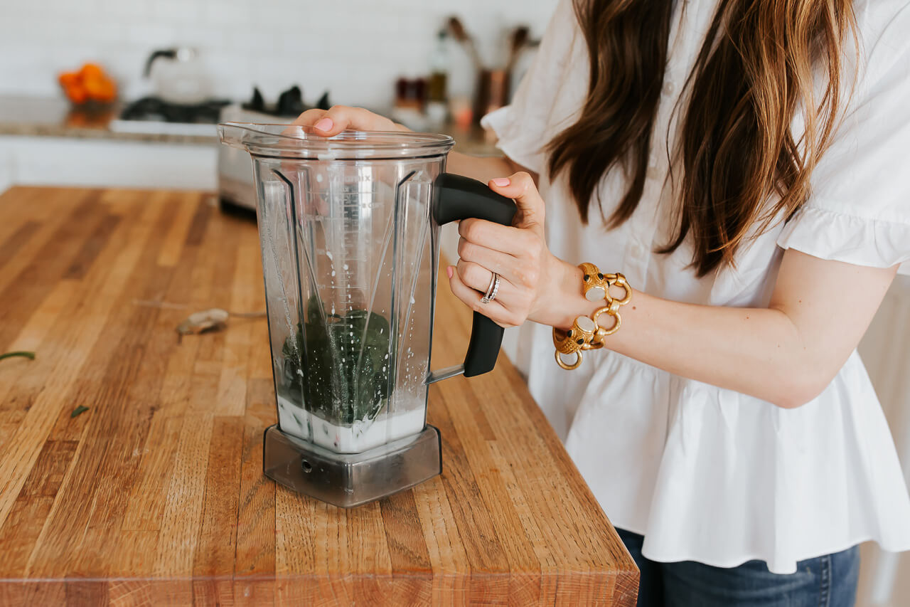 My family loves smoothies, but I have a few hacks for making them even healthier! | M Loves M @marmar