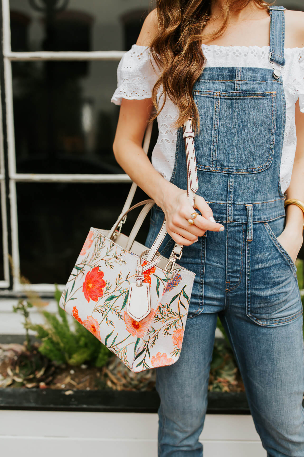 I love Kate Spade handbags! They are always such good quality and come in the prettiest prints and colors! | M Loves M @marmar