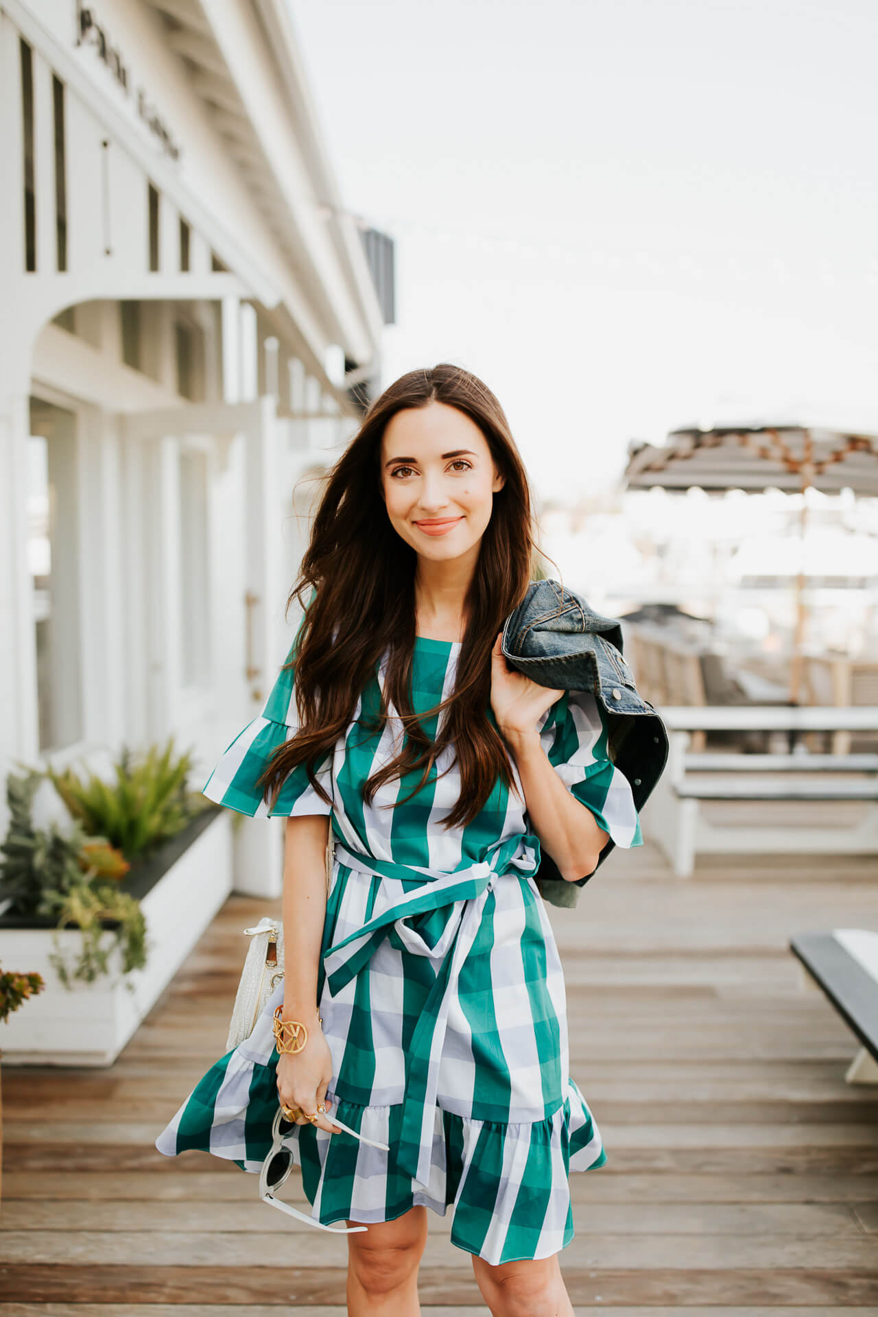 This gingham dress is comfortable enough to wear on the weekends and dressy enough to wear to any spring or summer weddings! | M Loves M @marmar