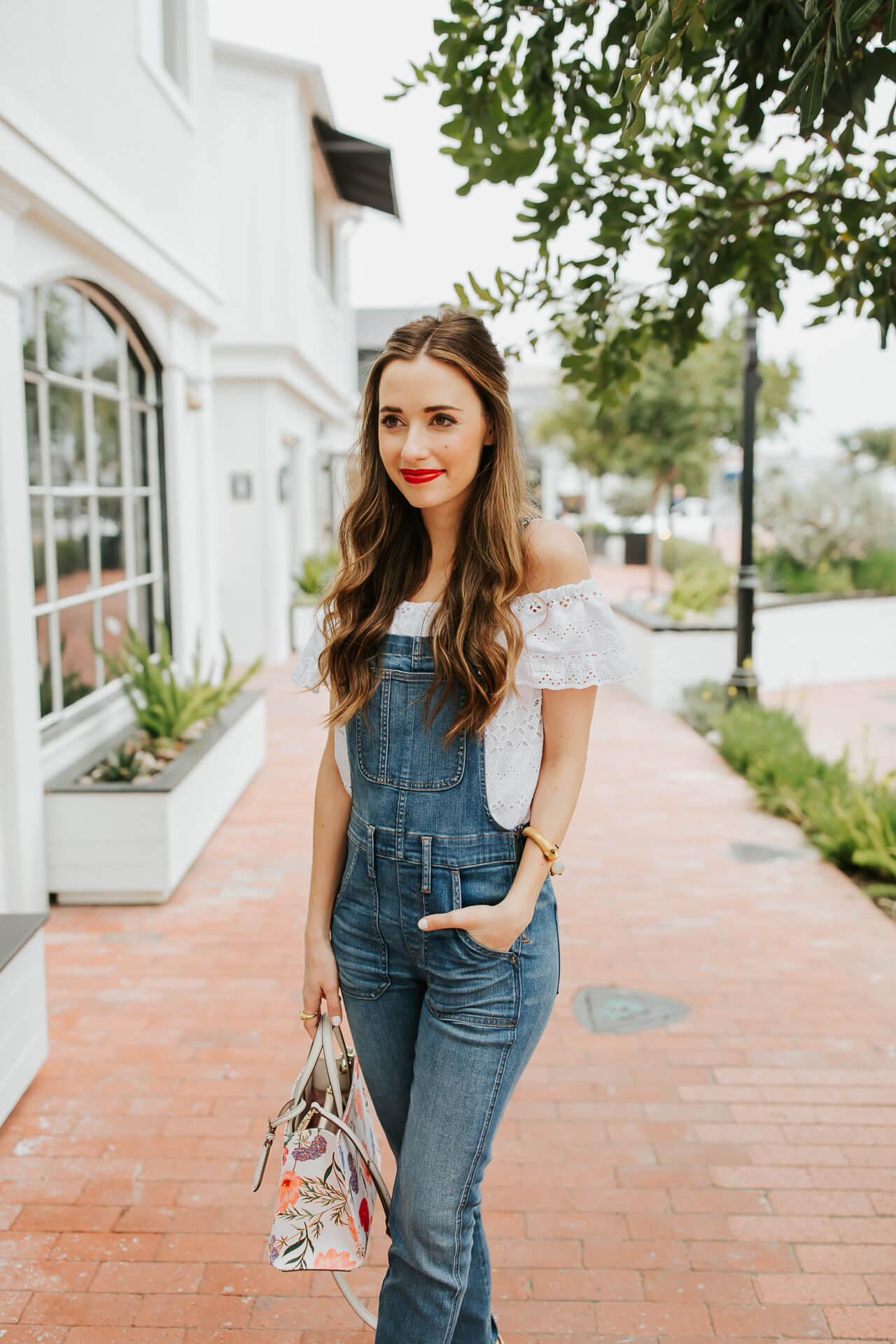 I love the overall trend and I hope they're here to stay! I especially love styling them with an off the shoulder top! | M Loves M @marmar
