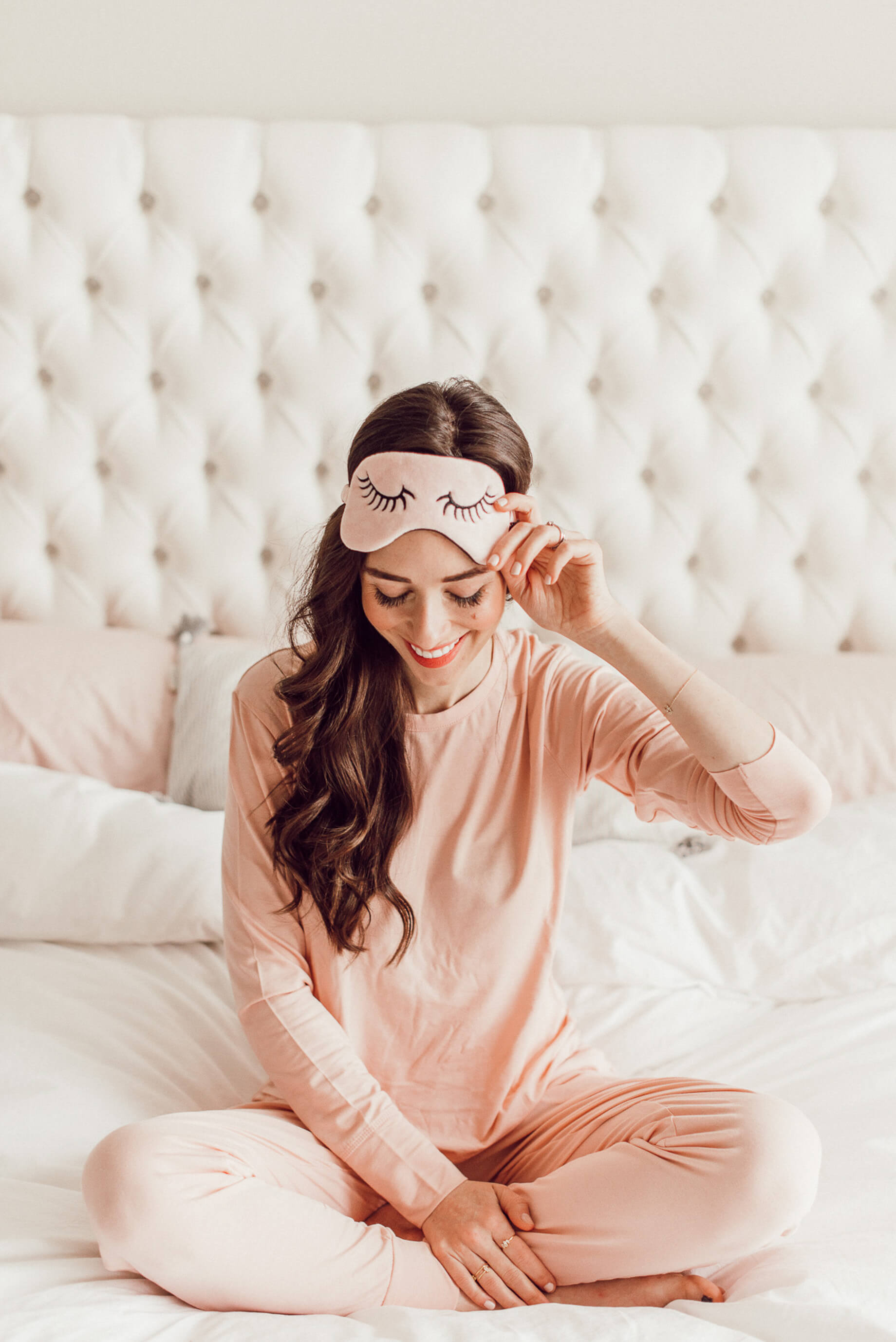 Today I'm sharing my favorite morning routine! It helps me start the day on a productive and happy note! | M Loves M @marmar