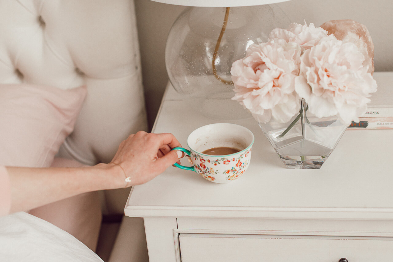 A good cup of tea or coffee is the perfect way to start the morning! So are cute pajama sets. Take a peek at my morning routine! | M Loves M @marmar