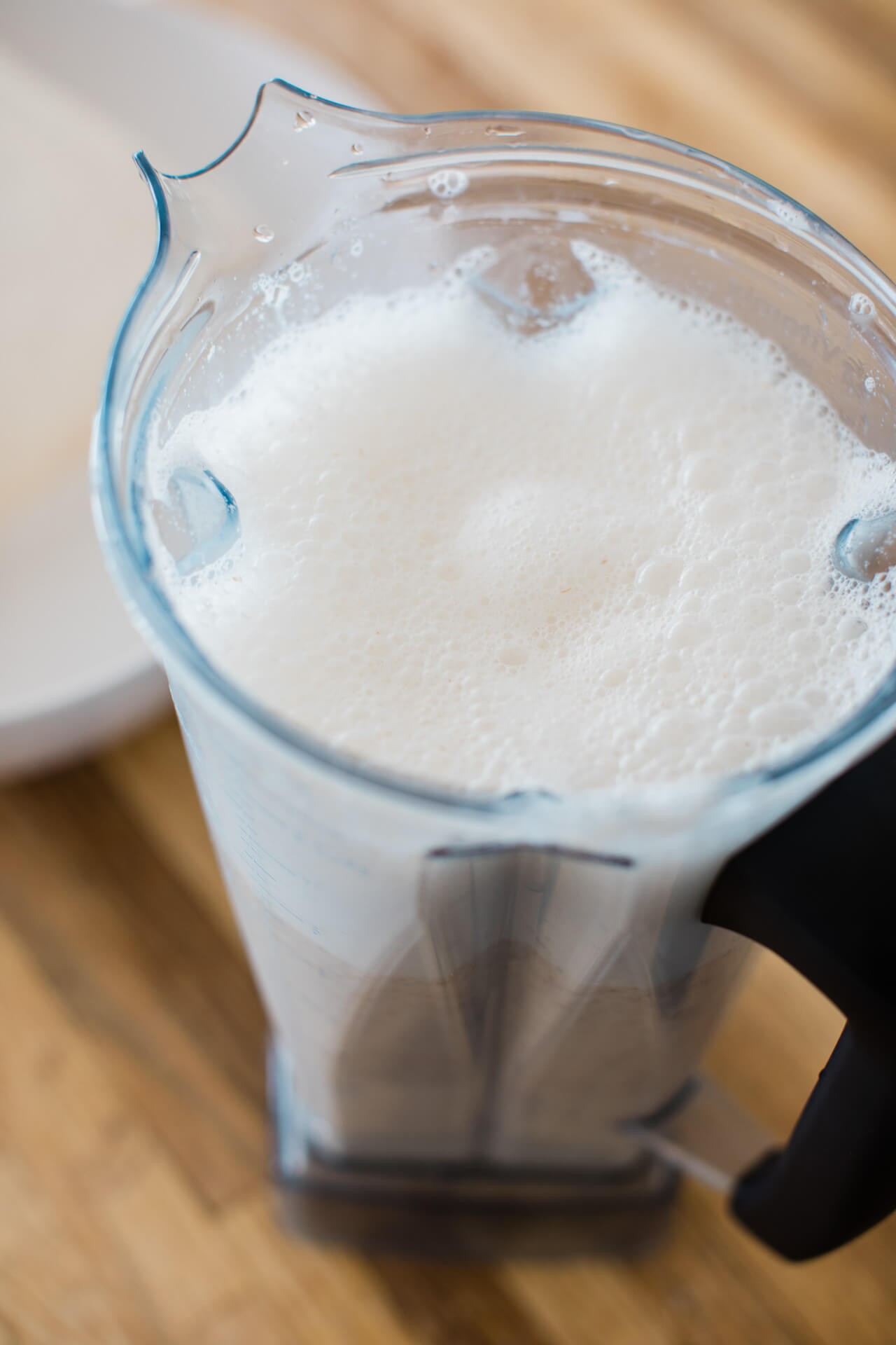This is such a good vegan milk recipe! | M Loves M @marmar
