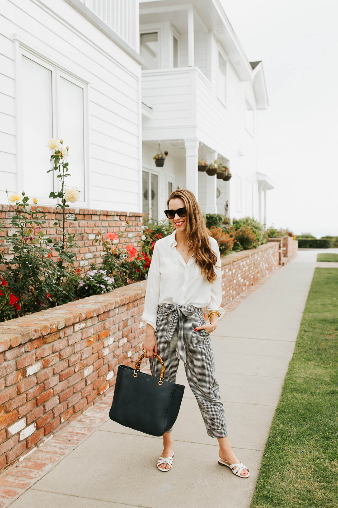 Wondering what to wear to work in the summer? Try these linen trousers! | M Loves M @marmar