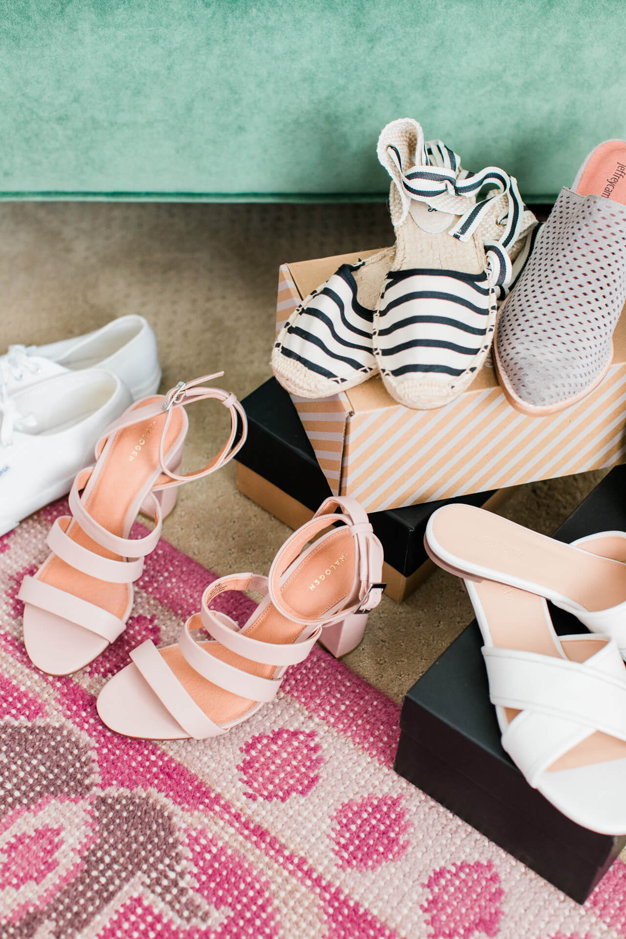 These shoes are perfect for summer style inspiration! | M Loves M @marmar