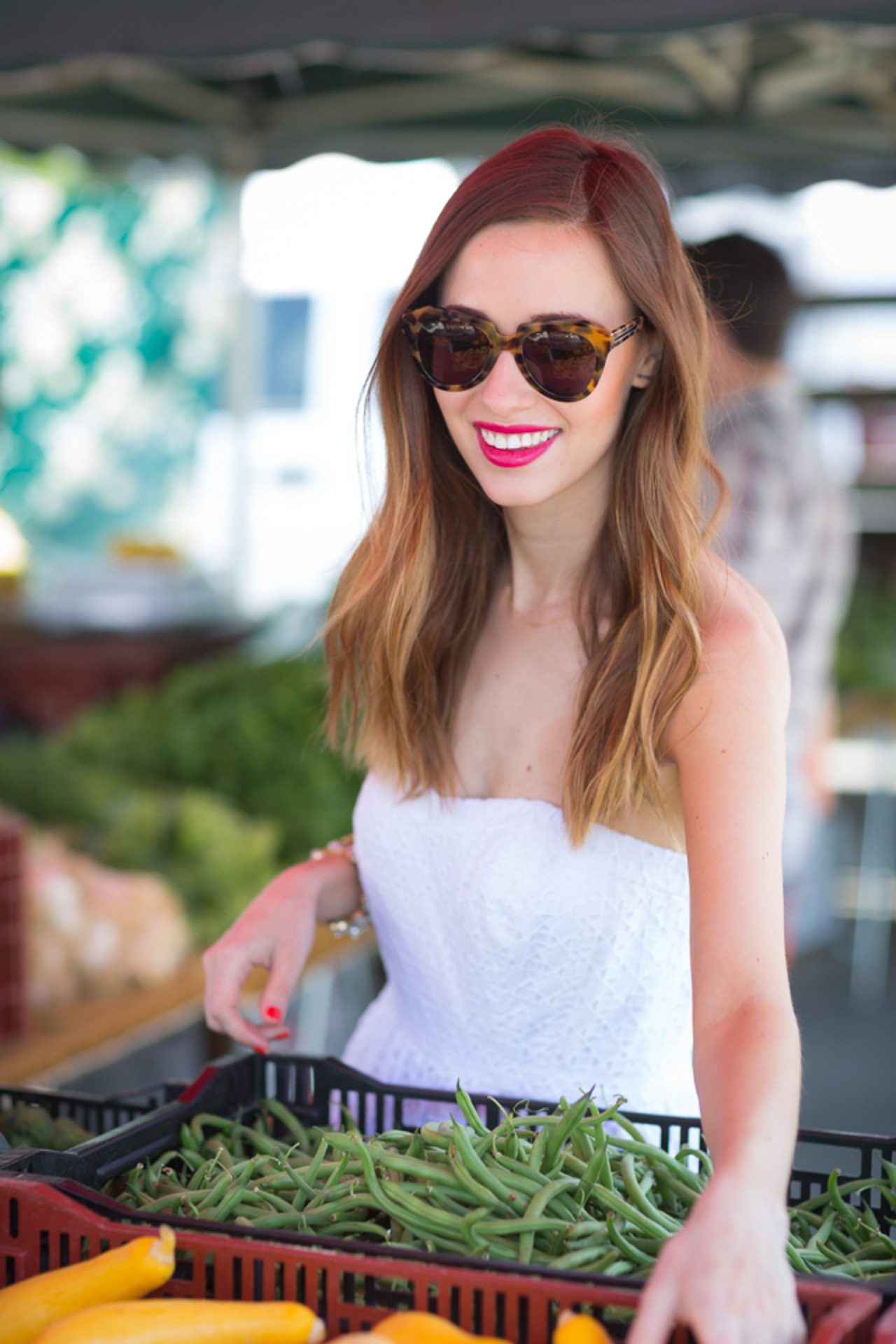 What says summer more than a white dress and a farmer's market?! | M Loves M @marmar