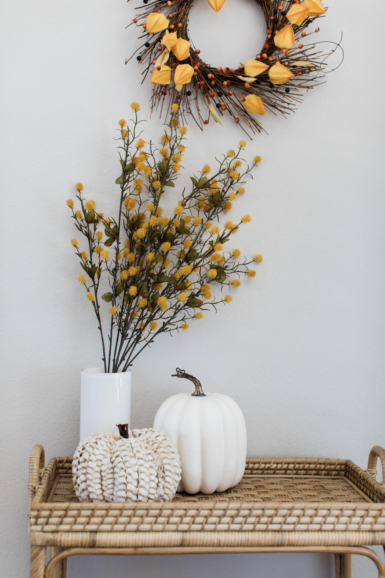 I love all these cozy fall decor styles! I love decorating my home for fall! | M Loves M @marmar